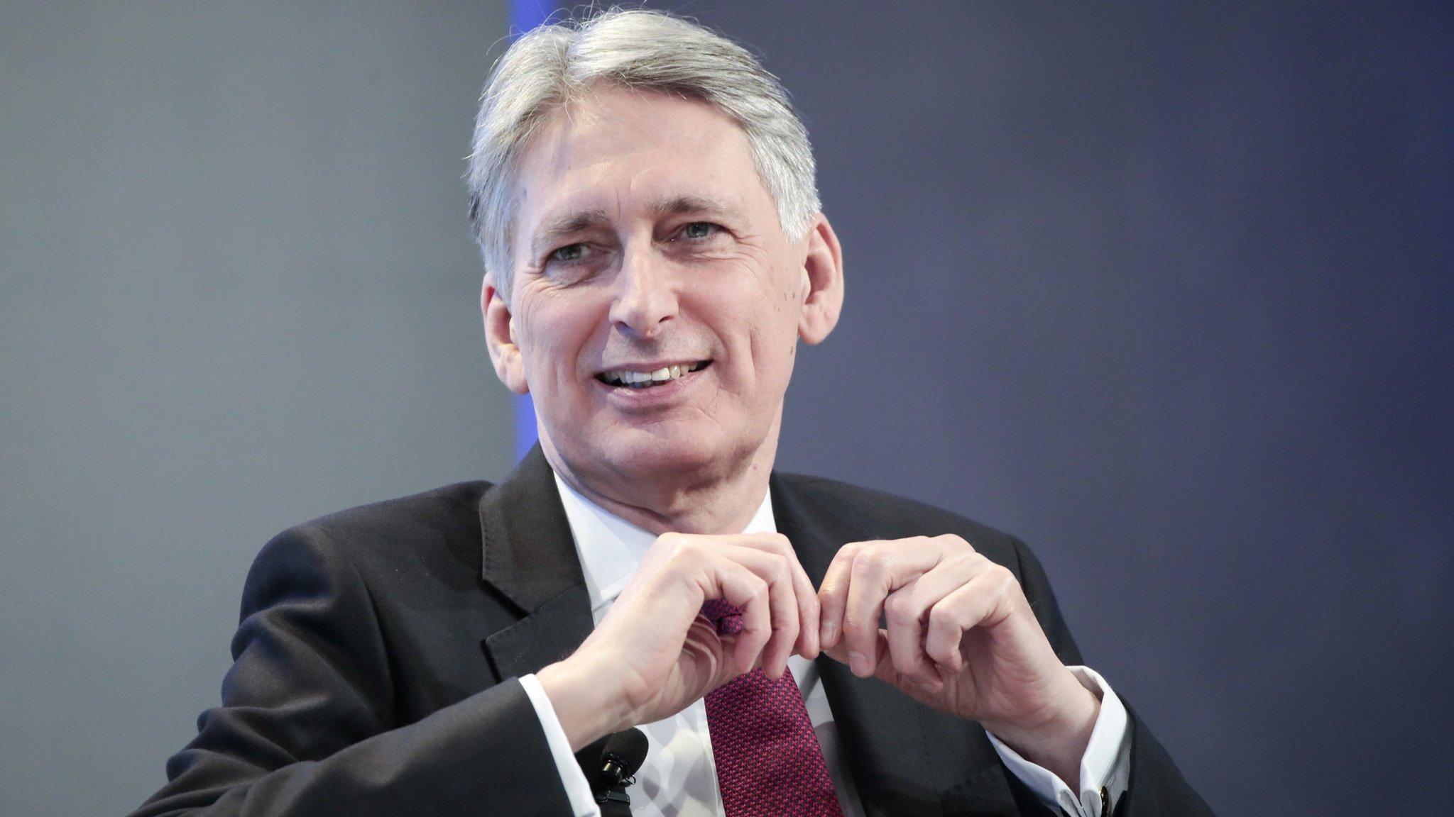 Hammond's soft Brexit speech provokes Tory backlash
