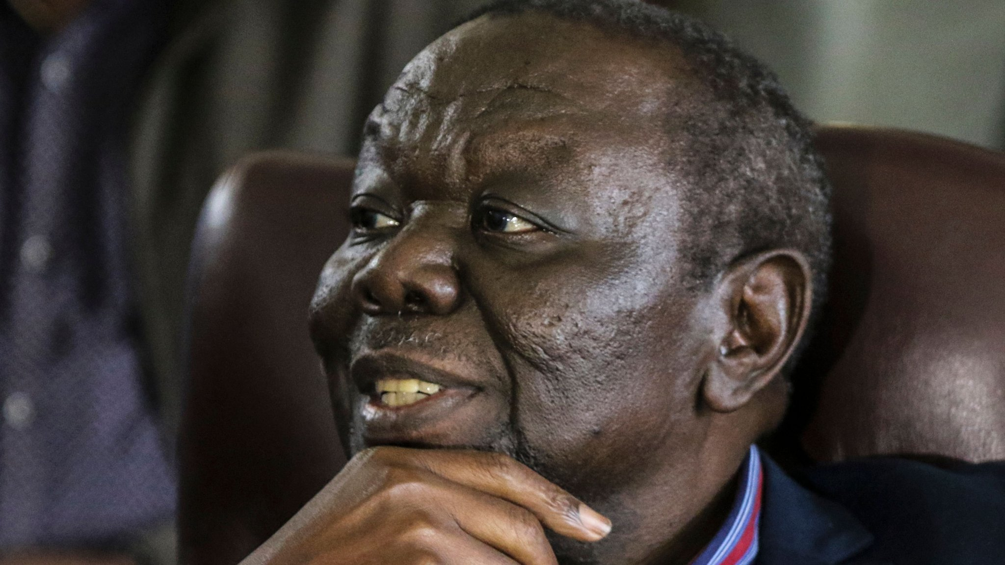 Mugabe's fall offers faint hope to Zimbabwe opposition