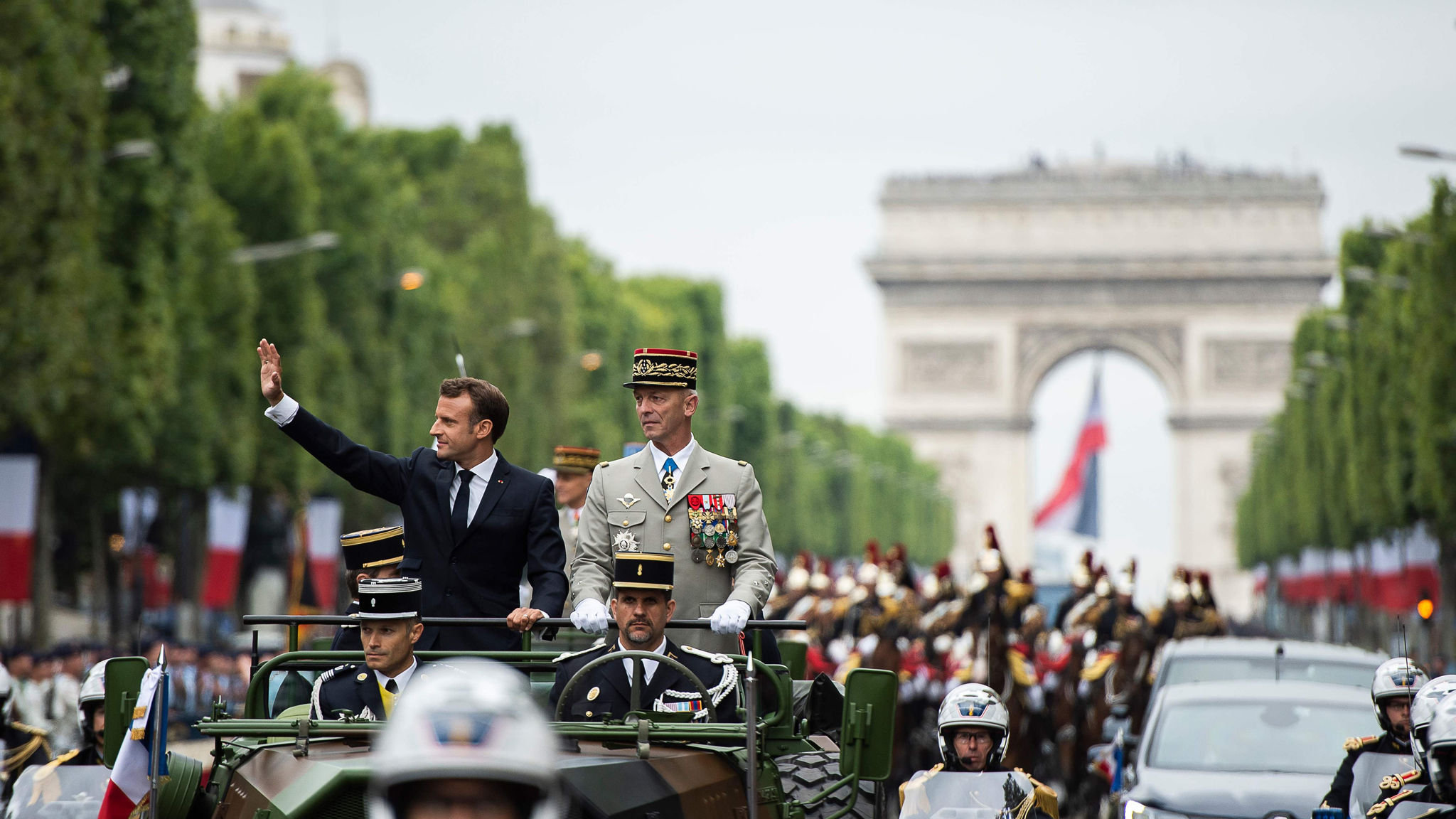 France follows US to set up military space command