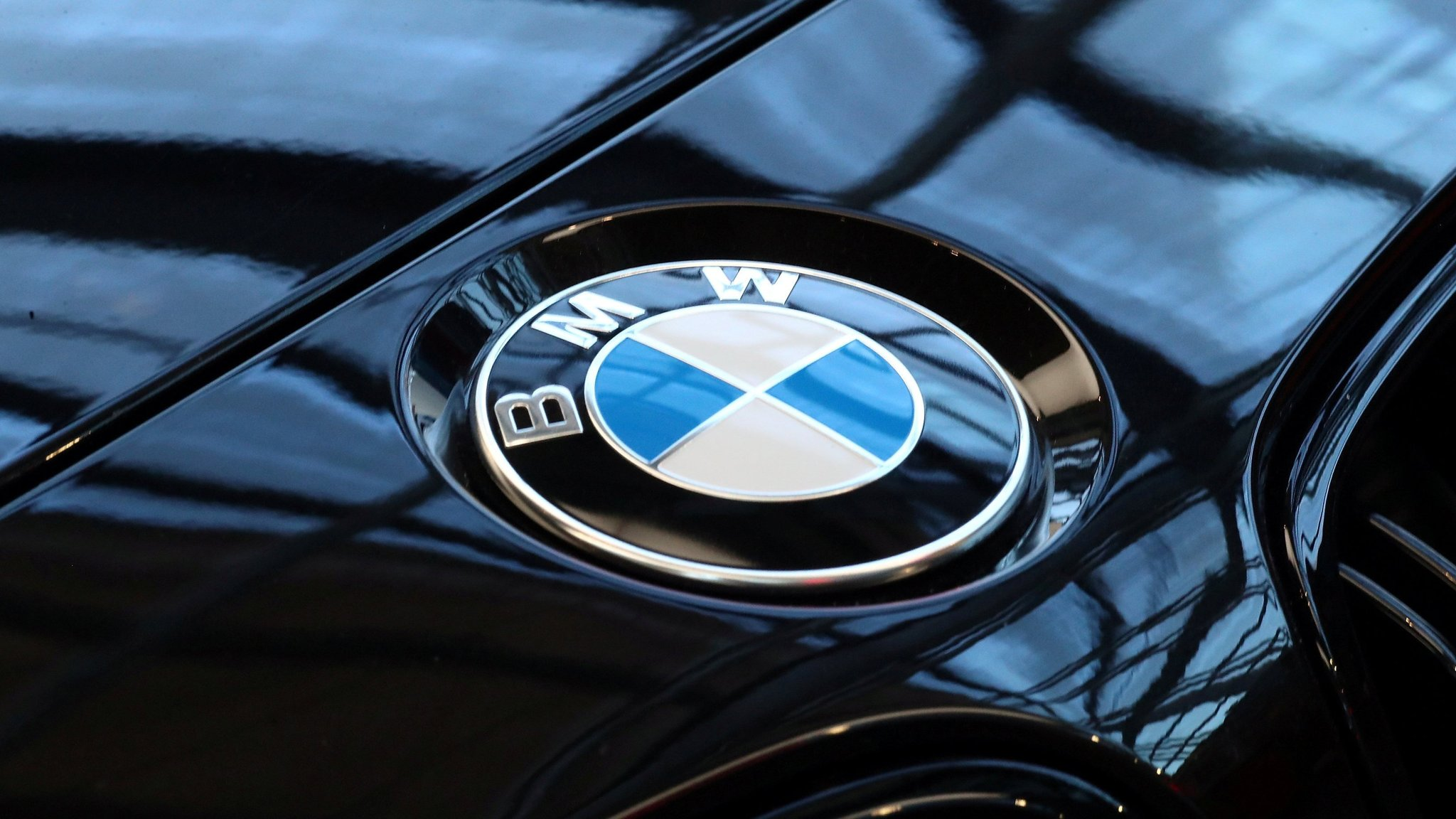 BMW looks to boost self-driving tech with Tencent venture