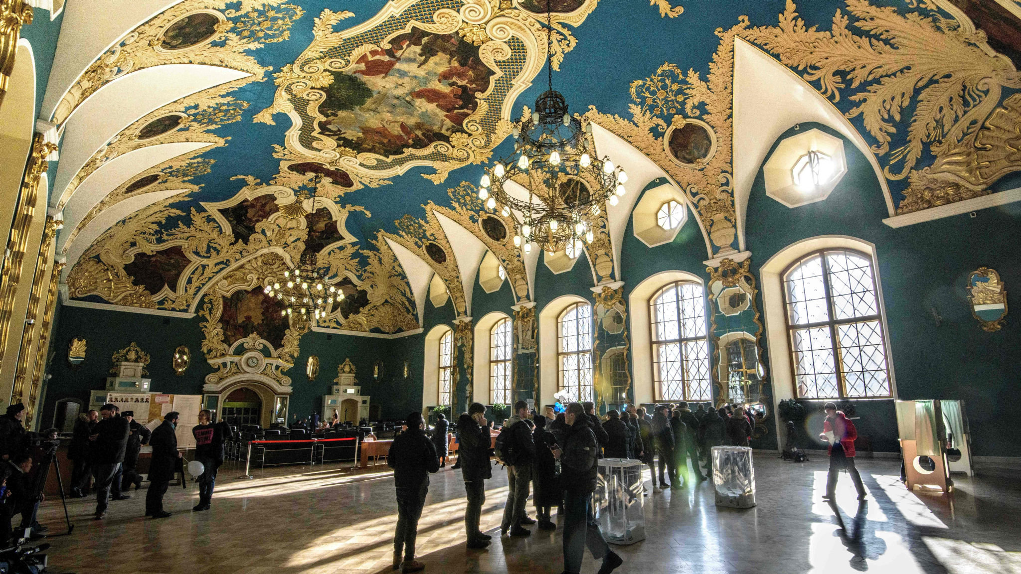 Russians sceptical of Putin's grand projects as economy founders
