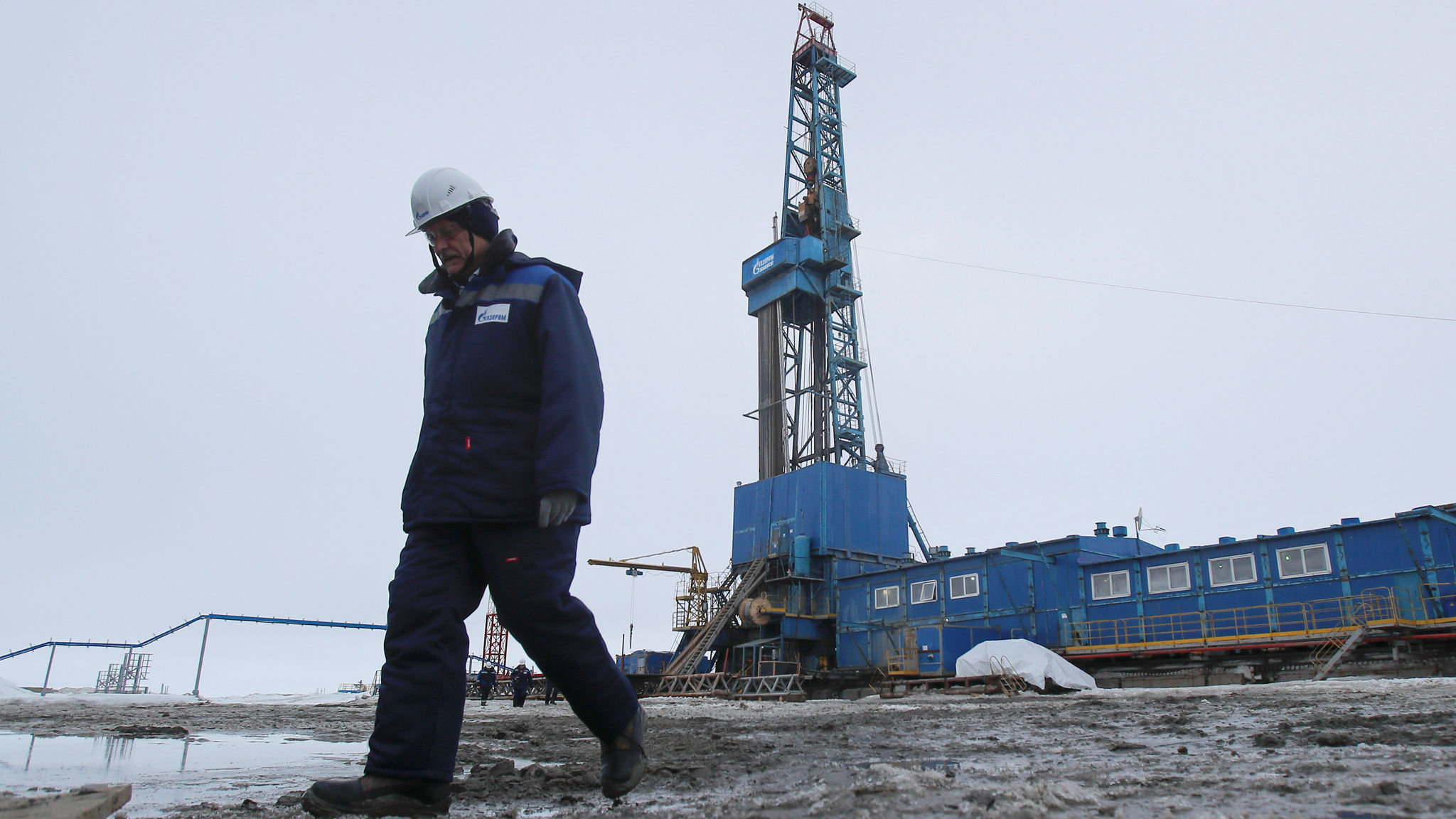 Russia defies pipeline threats over gas for Europe