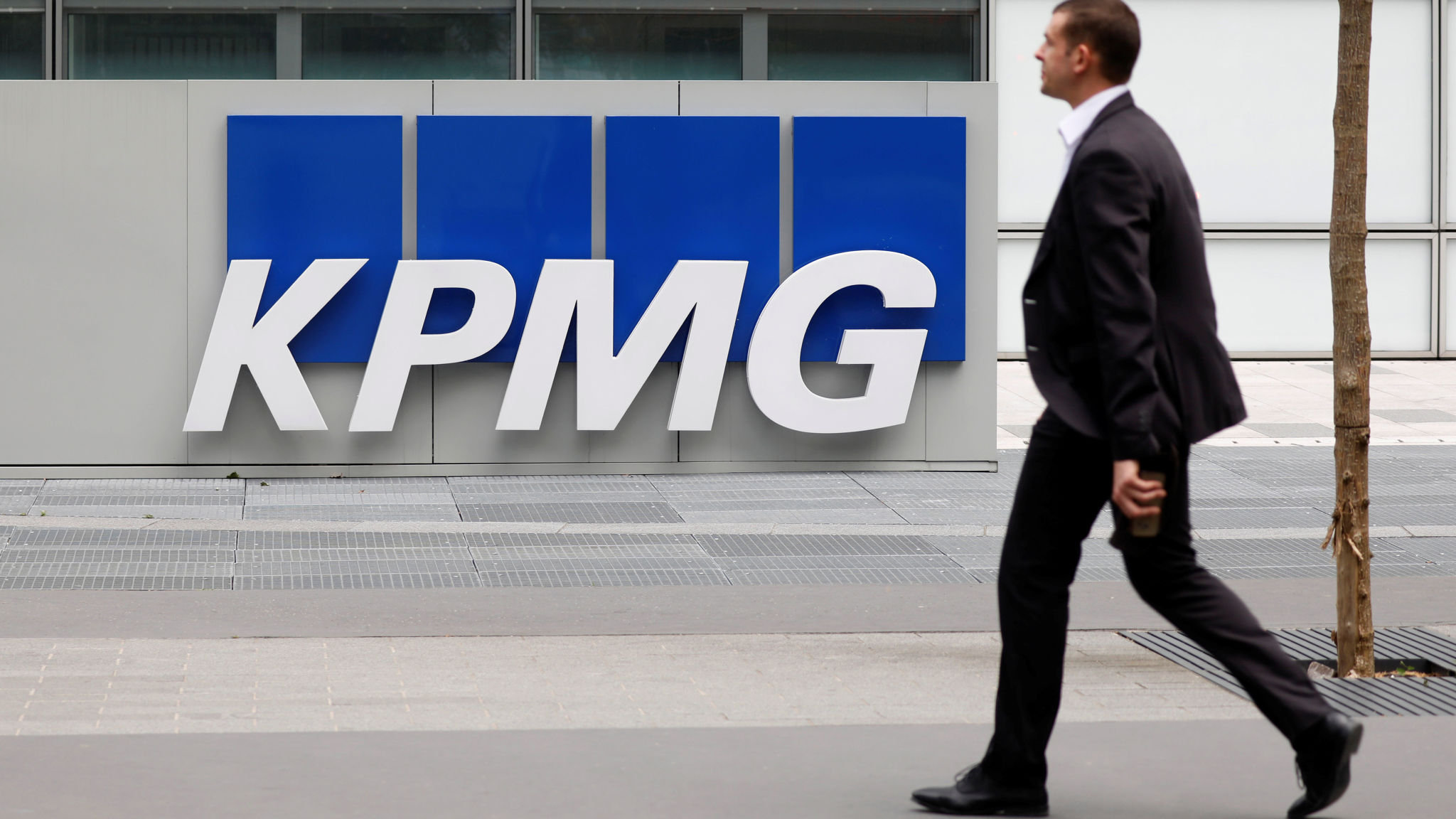 A KPMG court case over Carillion is needed to serve public