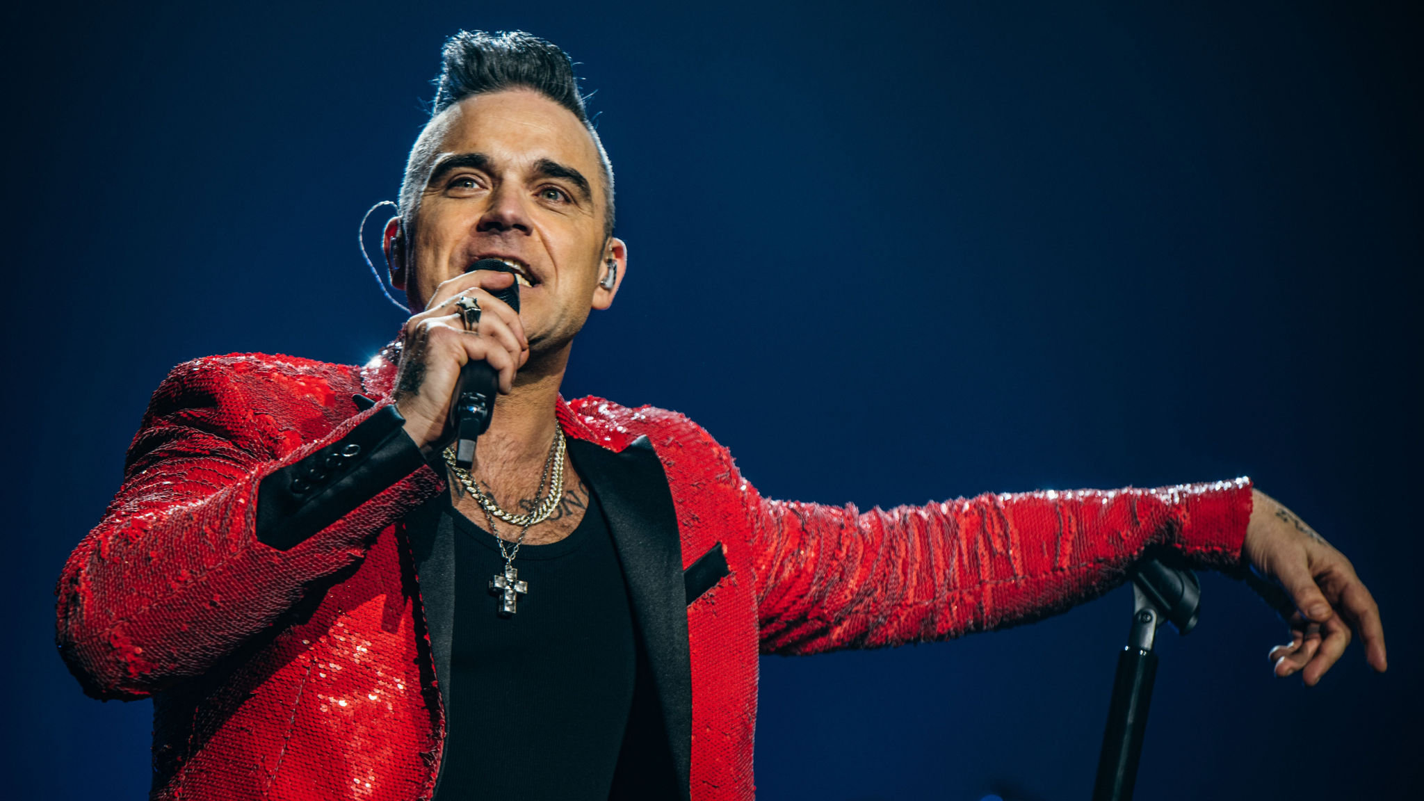 Robbie Williams Net Worth, Lifestyle, Biography, Wiki, Family And More