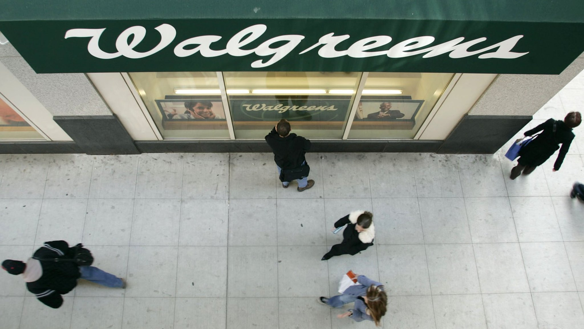 Walgreens Threatens To Abandon Collaboration With Theranos