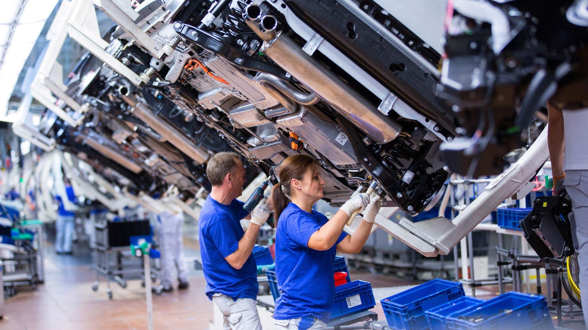 Business data reinforce eurozone's economic strength