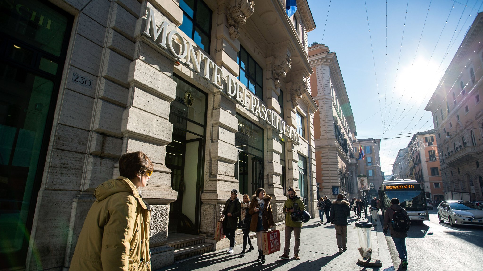 Investors sue Monte dei Paschi over cancelled bonds