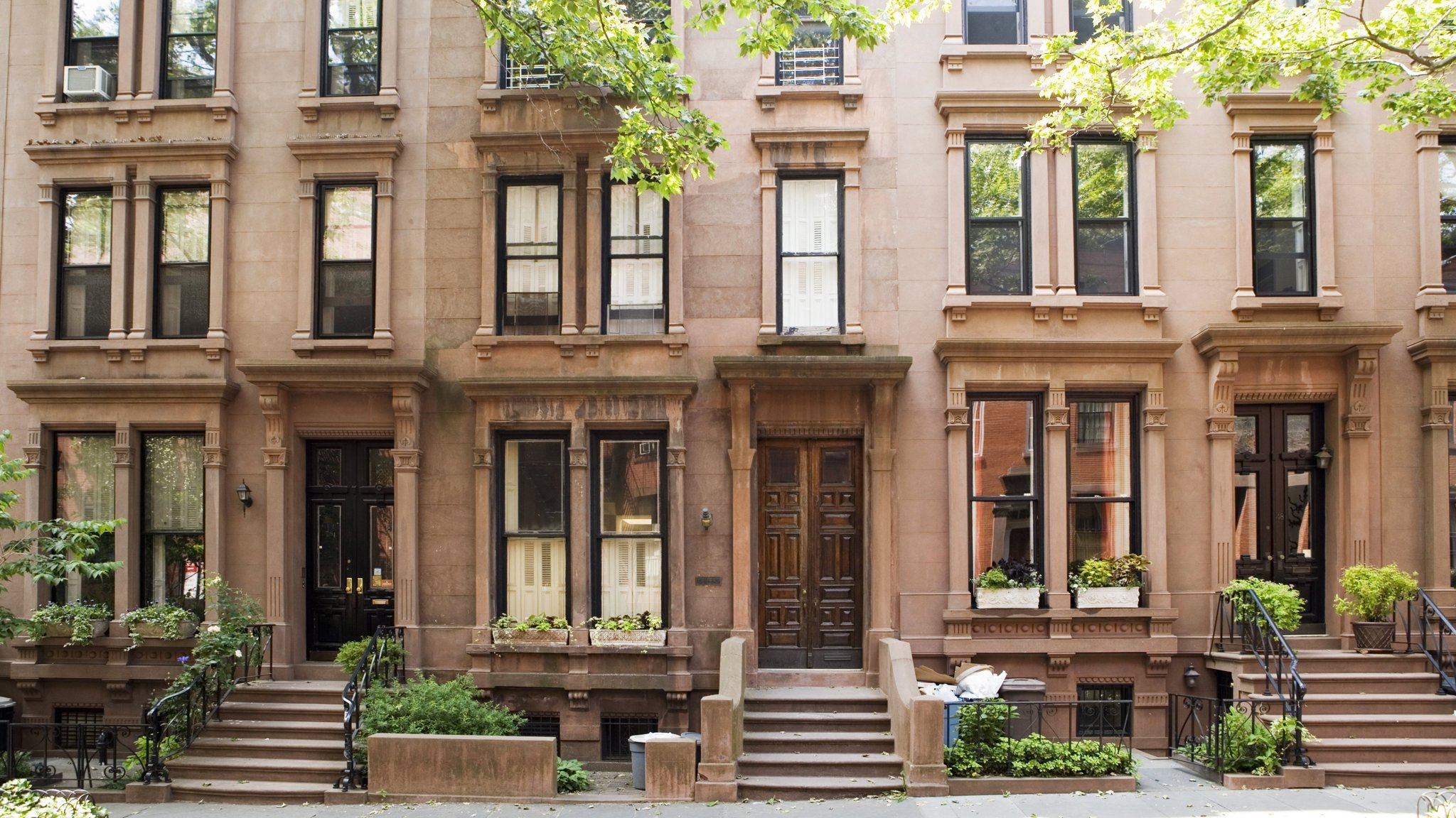 Brooklyn\'s brownstone market falters, but bargains are still rare ...