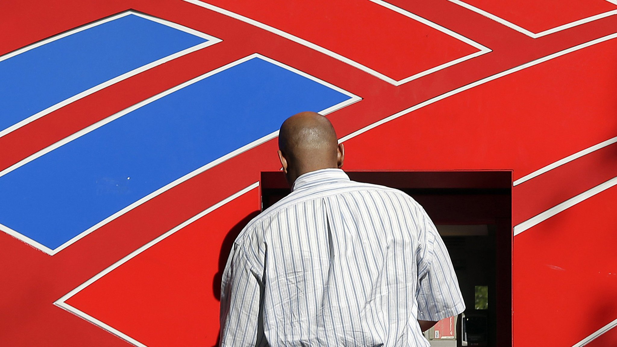 BofA promises to spend most of its tax windfall on shareholders