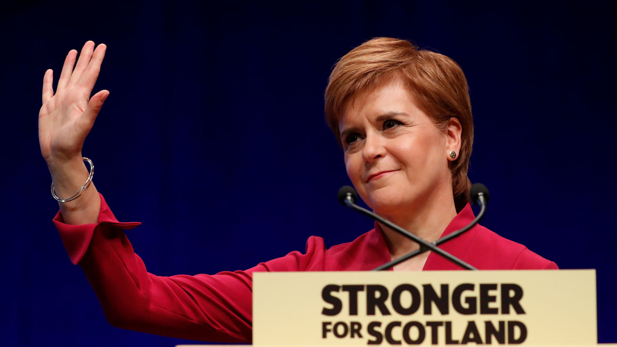 Nicola Sturgeon calls for second independence vote in 2020