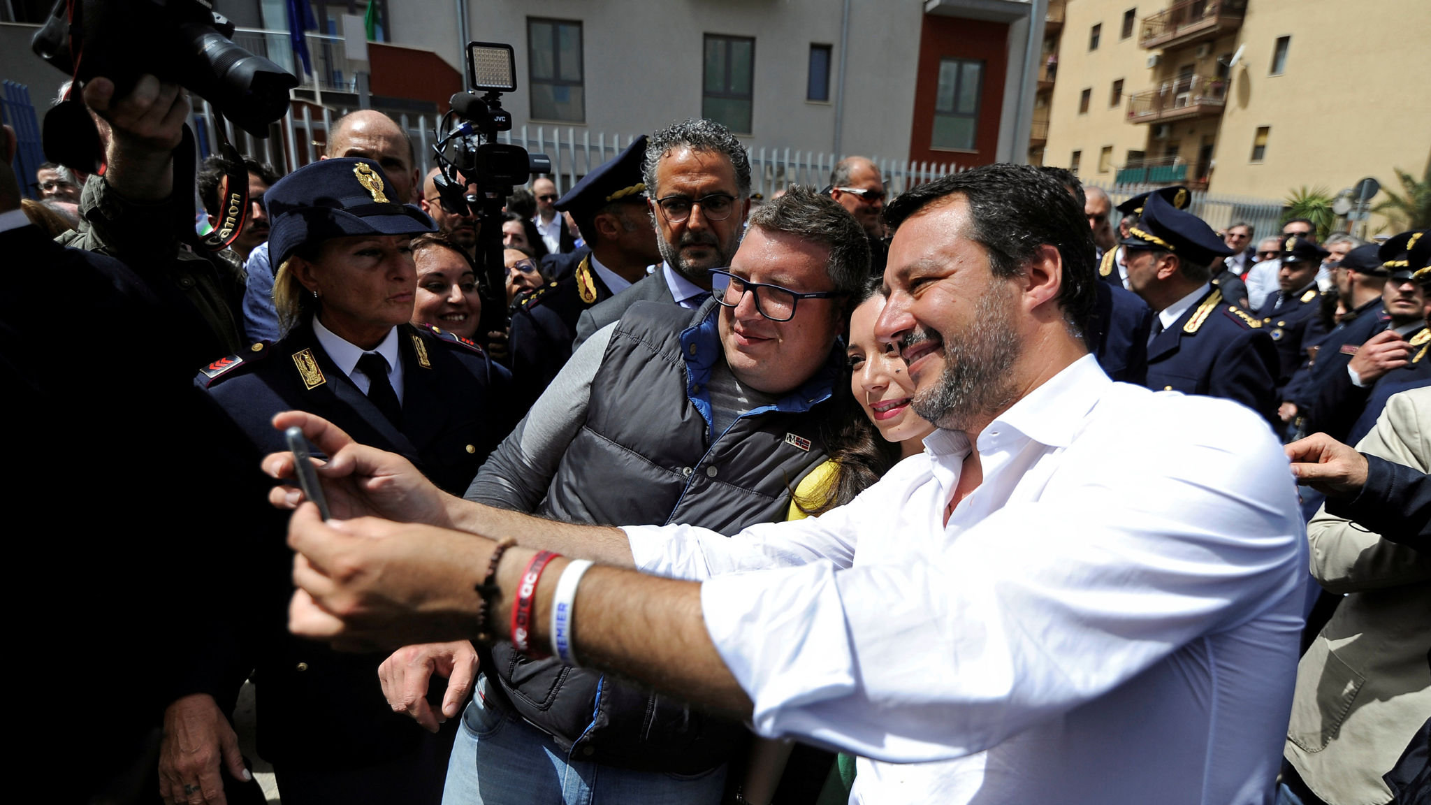 Disillusioned Sicilians Look To League S Salvini For Salvation Financial Times