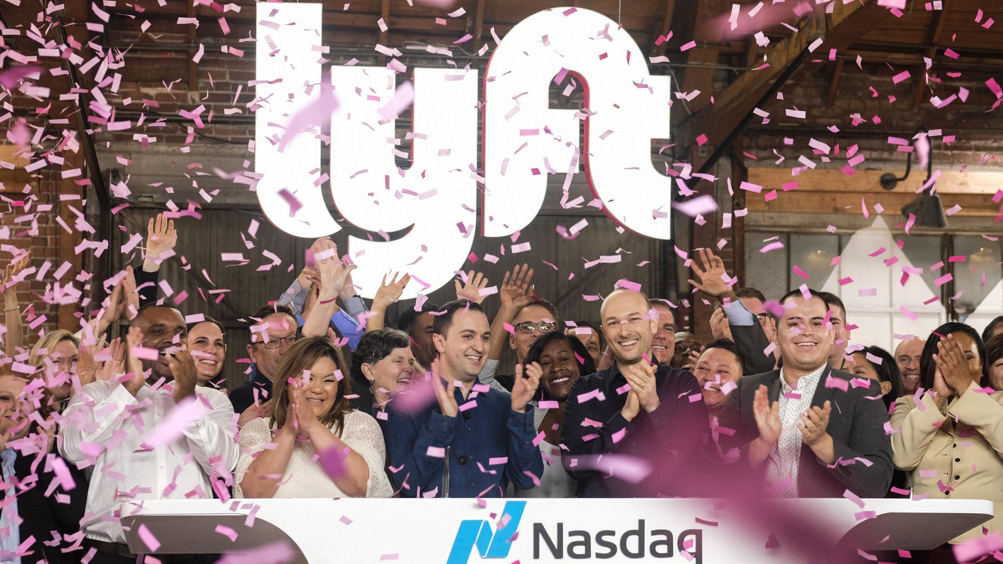 Lyft shares close almost 9% higher on market debut