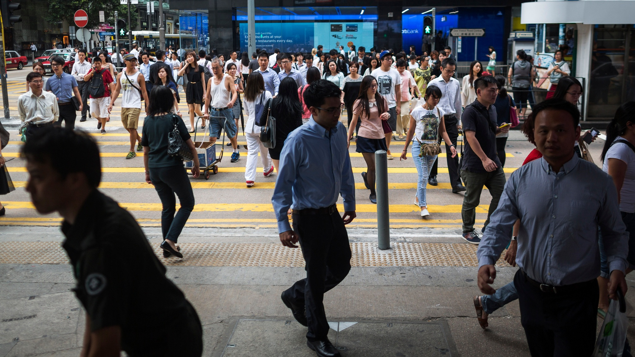Asian markets cautious on fears over trade, global economy