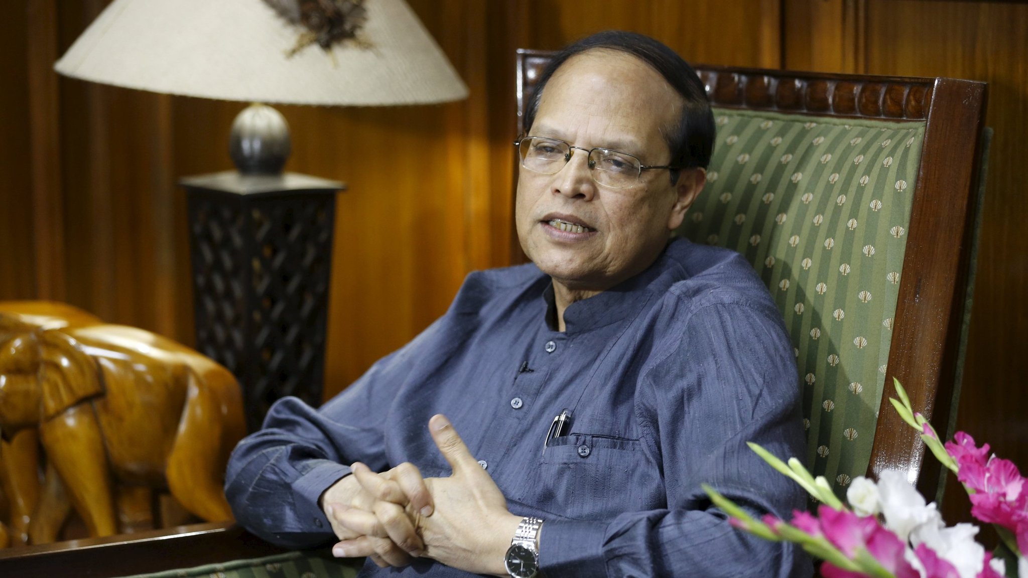 Bangladesh central bank governor quits over $101m cyber heist ...