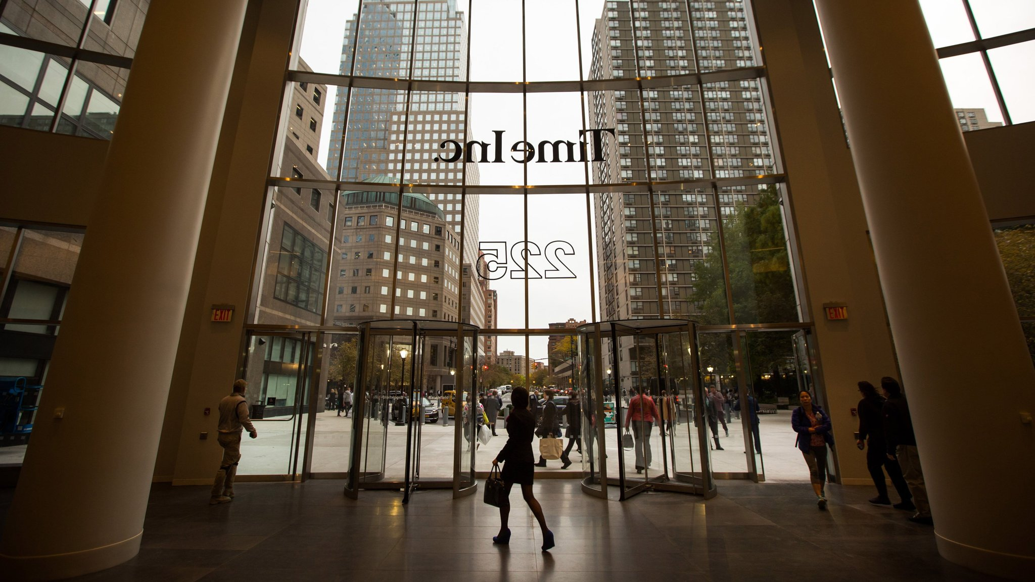 Meredith and Koch brothers close in on Time Inc deal