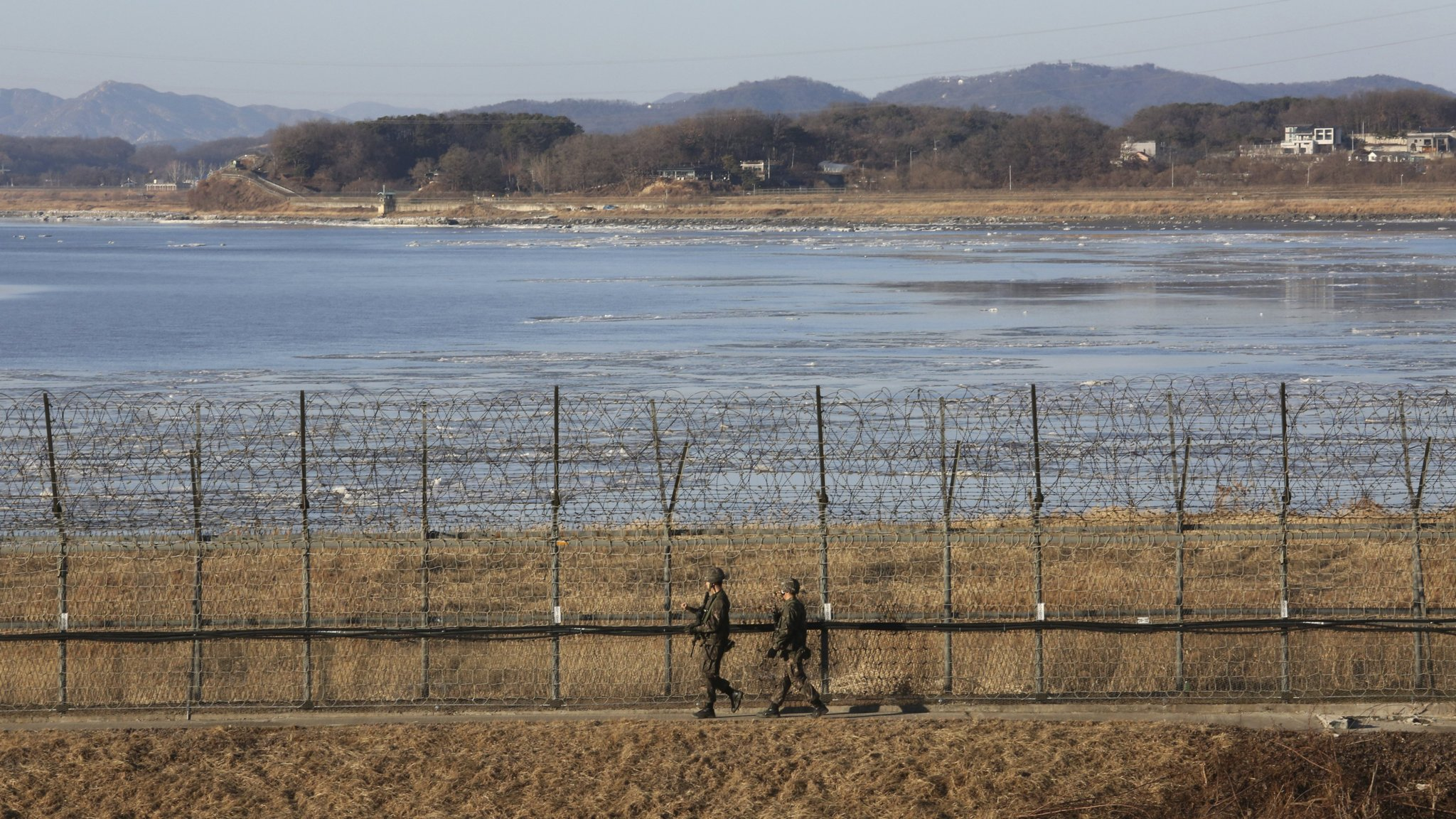 South Korea warms to Pyongyang overtures with offer of talks
