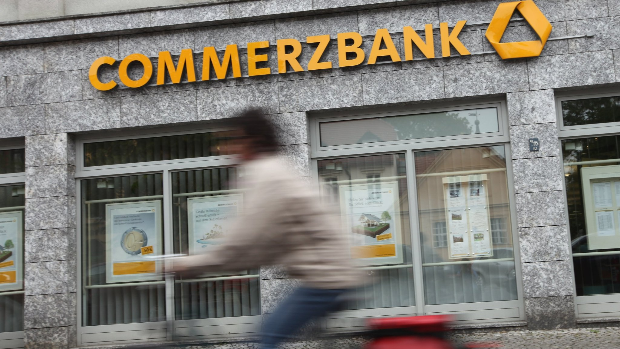 Commerzbank sells 29bn real estate loan portfolios financial times reheart Image collections