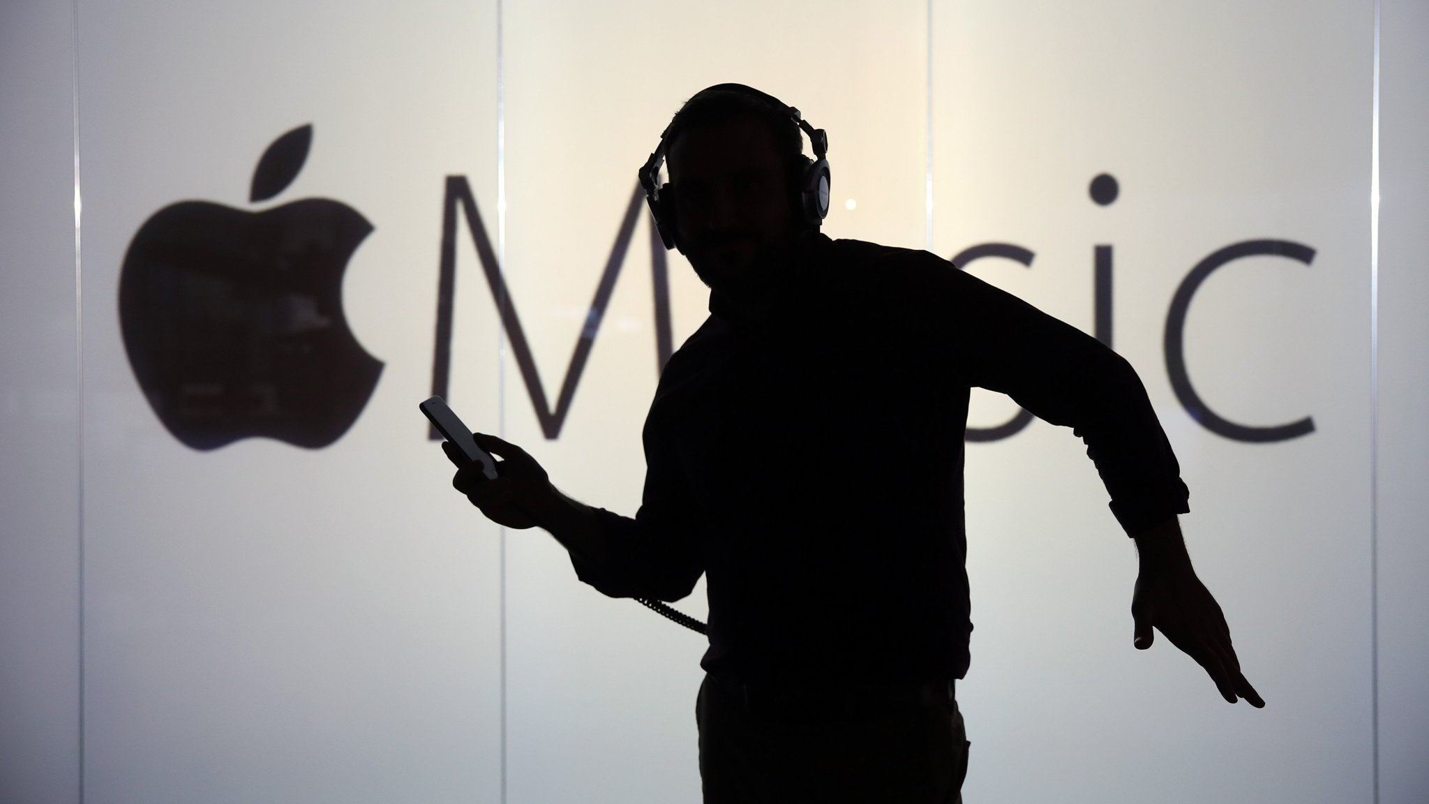Apple in talks to buy Shazam music-recognition app