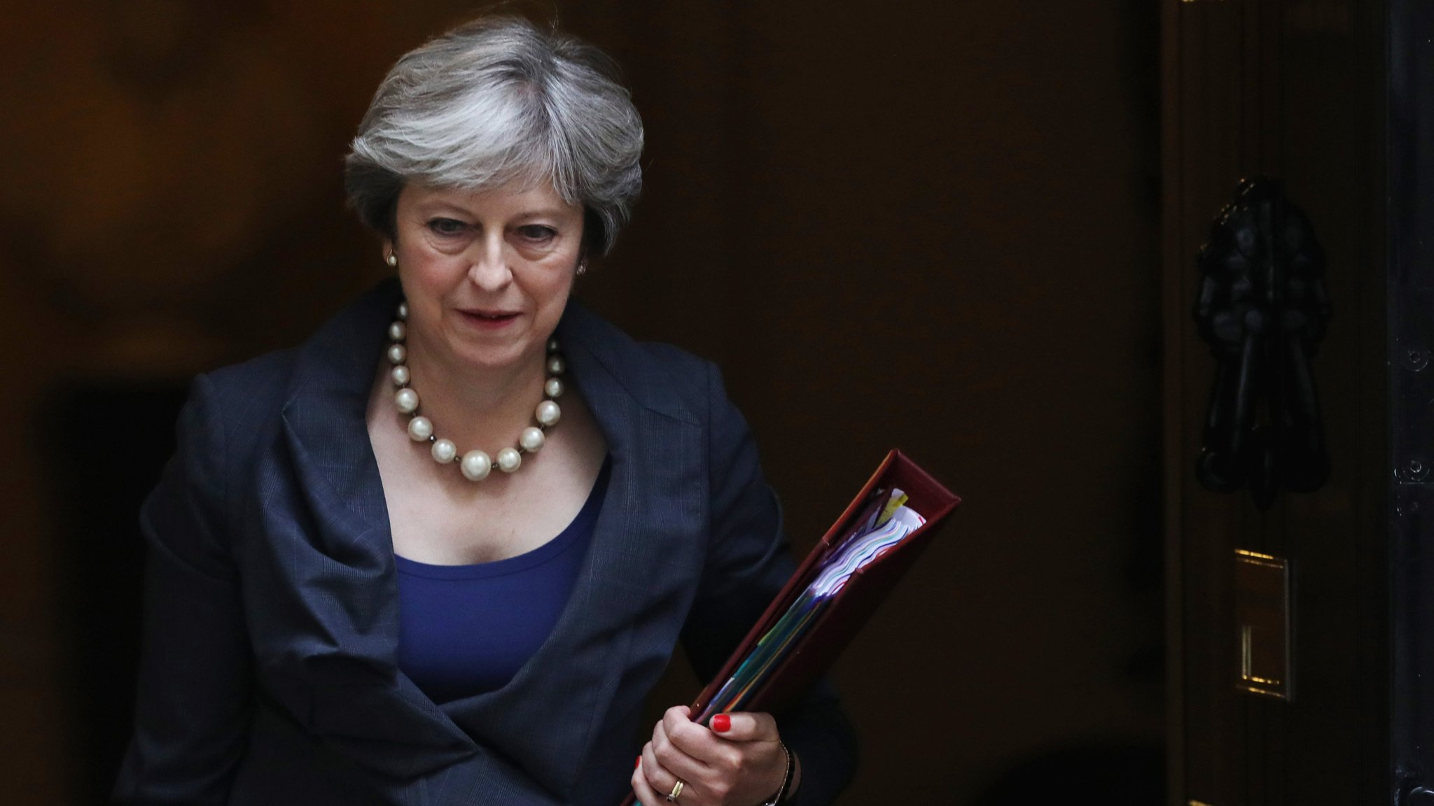 May urges Merkel to end stand-off over Brexit | Financial Times