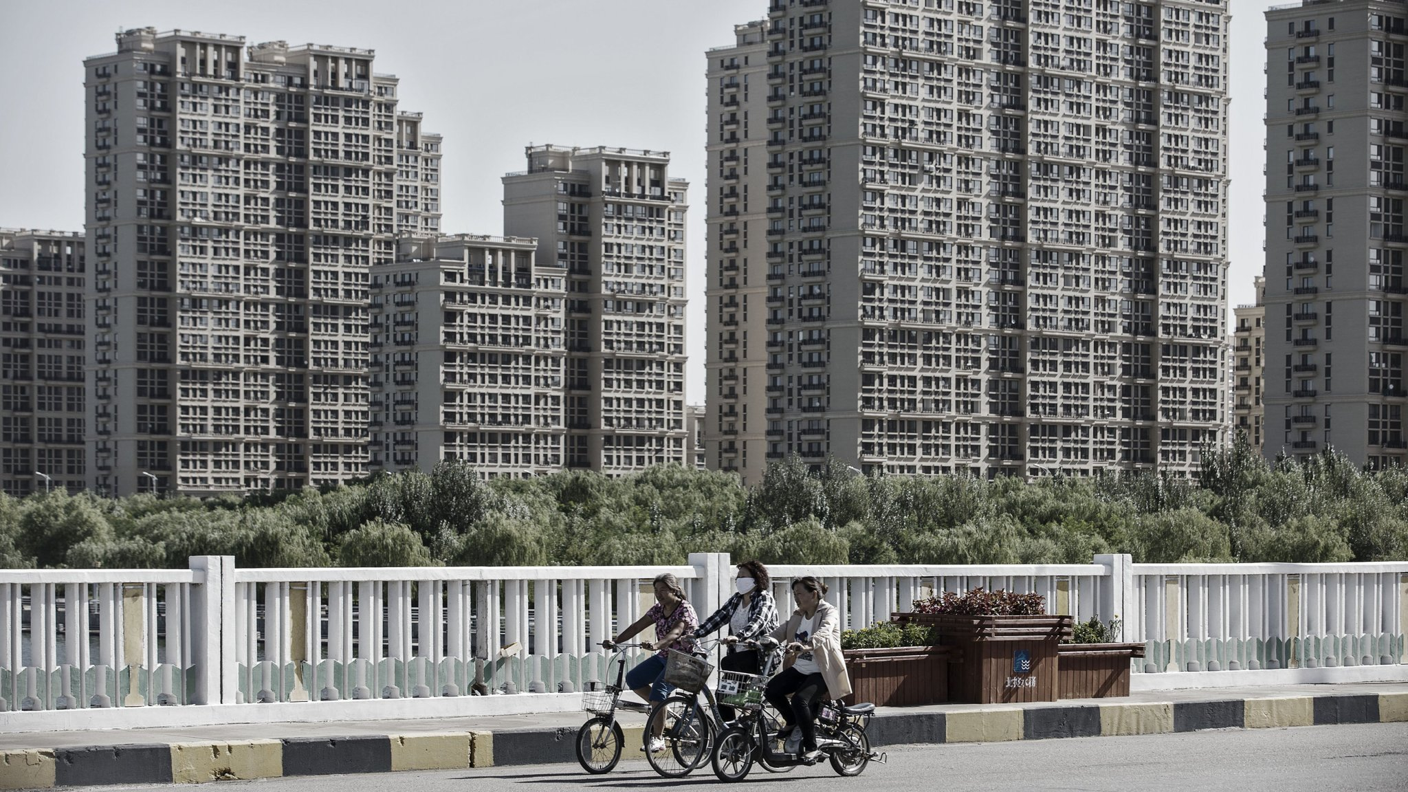 China infrastructure projects fall foul of debt concerns