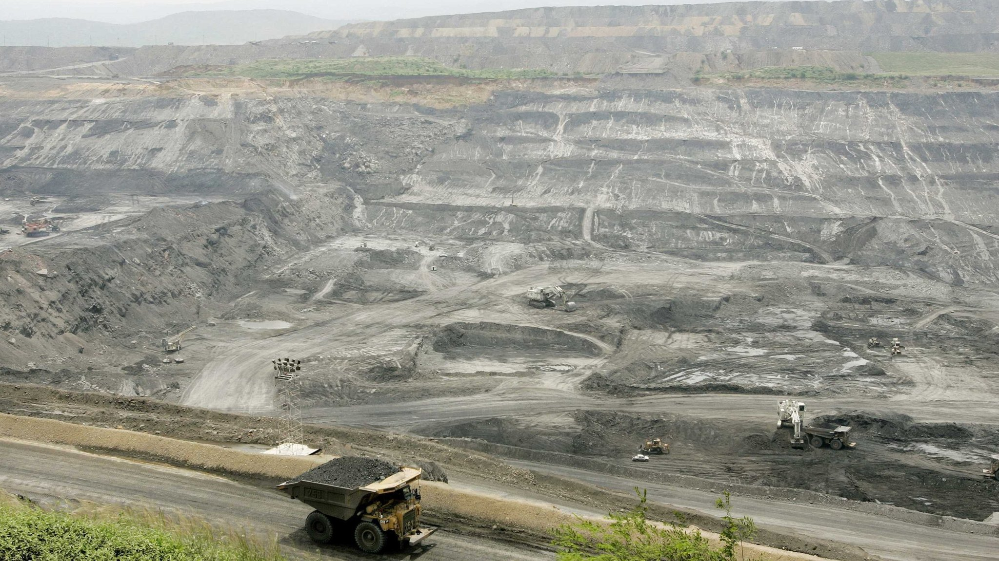 BHP threatens to quit world coal body over climate policy