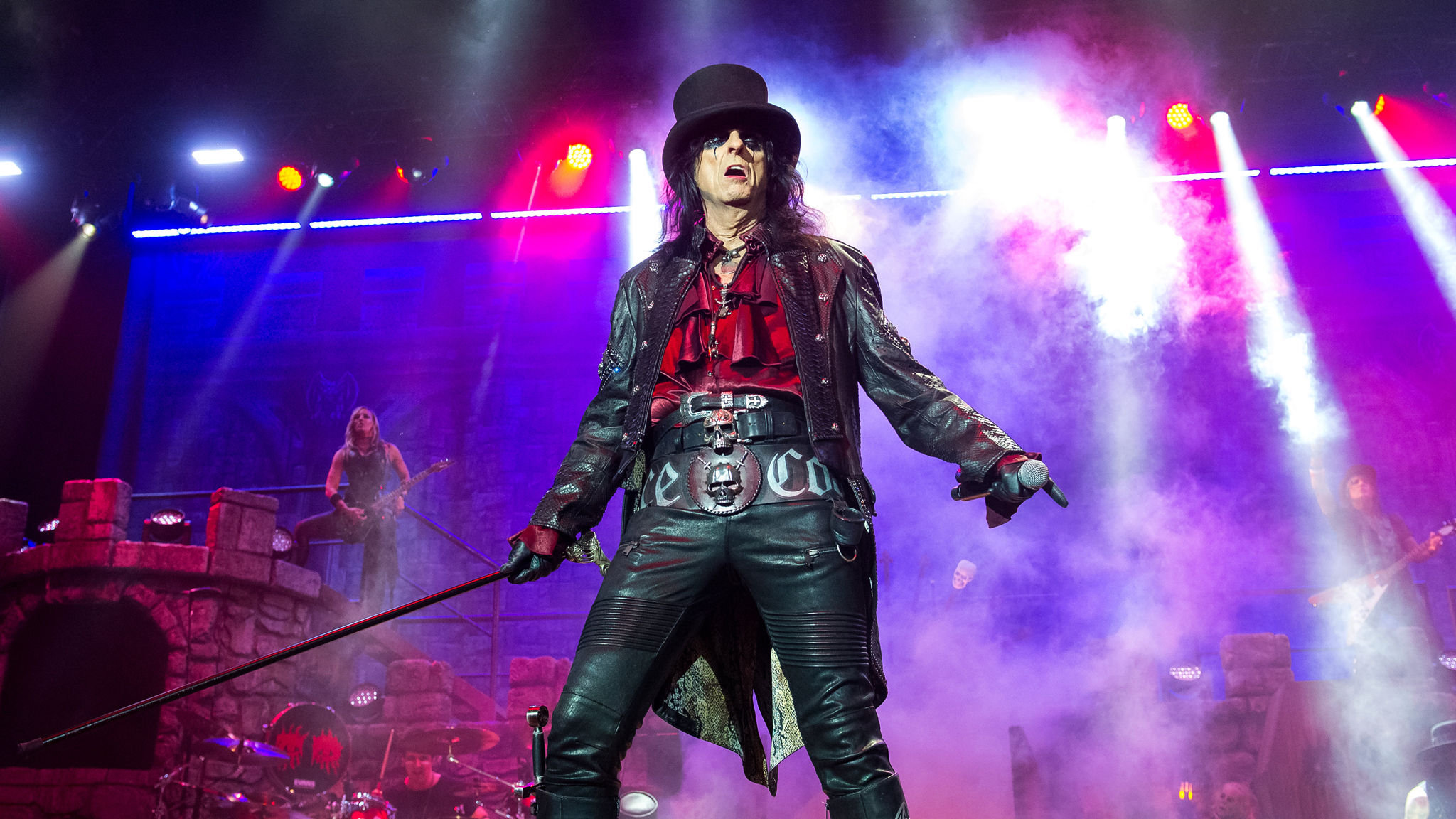 Alice Cooper embraces quieter life at the O2 Arena