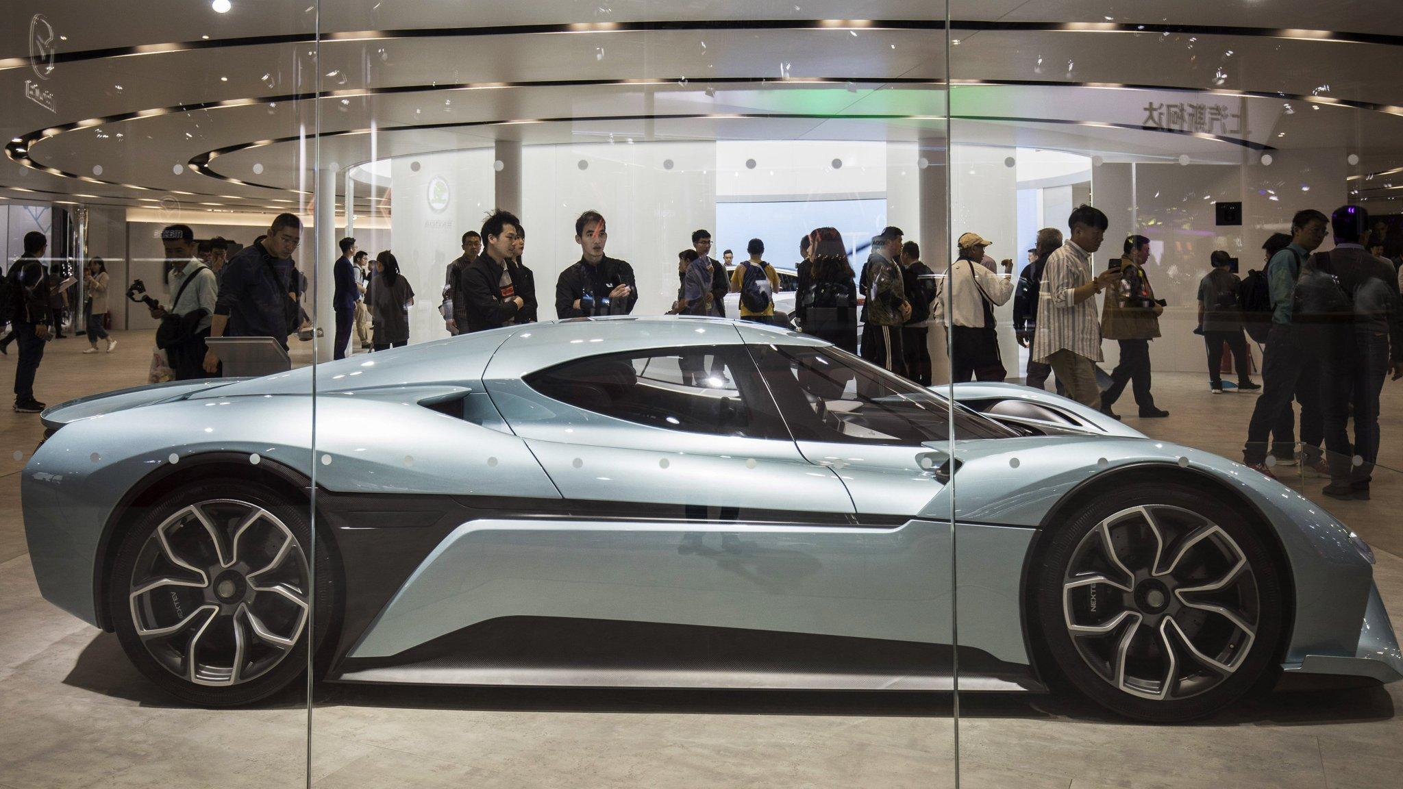 Bankruptcies and slowdown hang over China's electric car