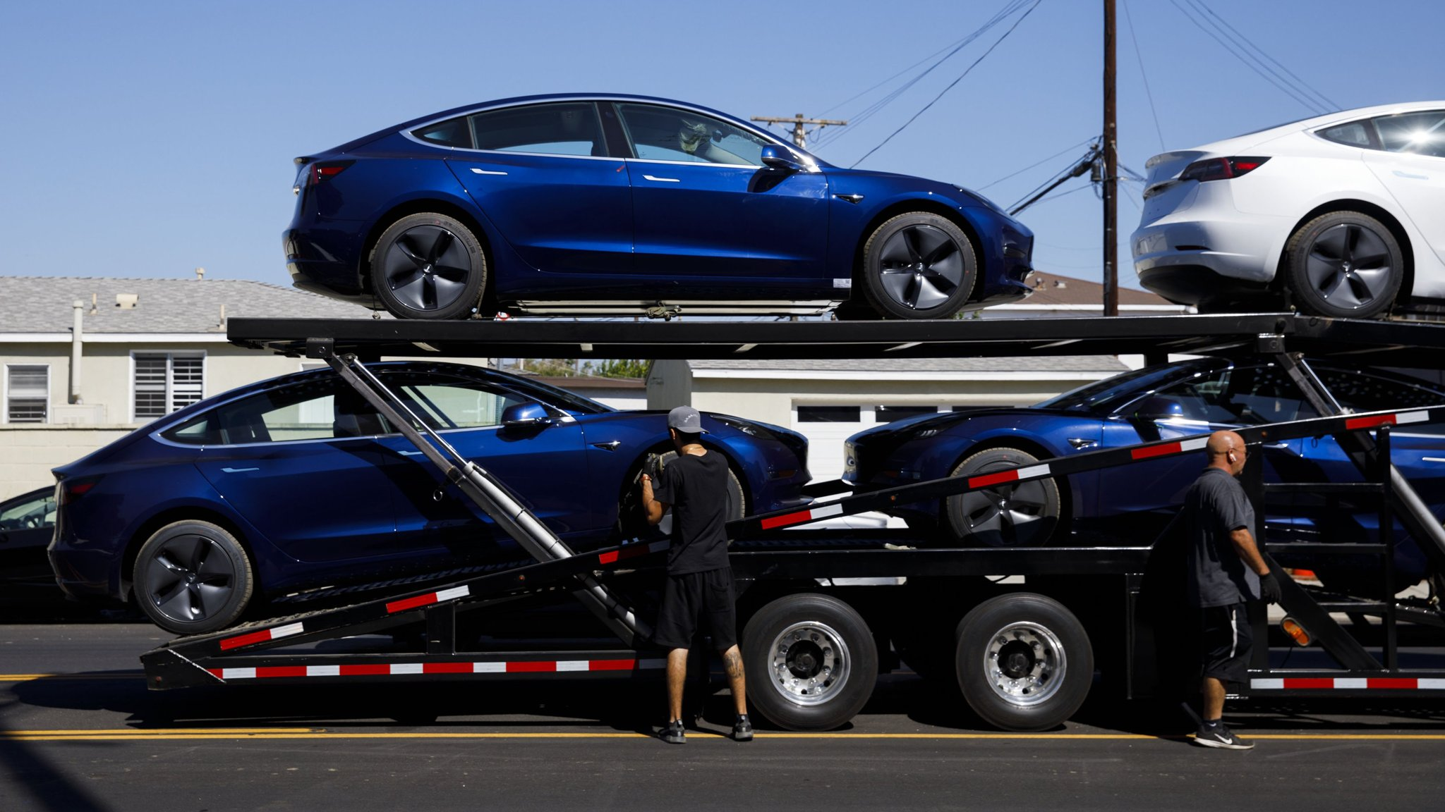 Tesla analyst cuts Model 3 forecast amid demand worries