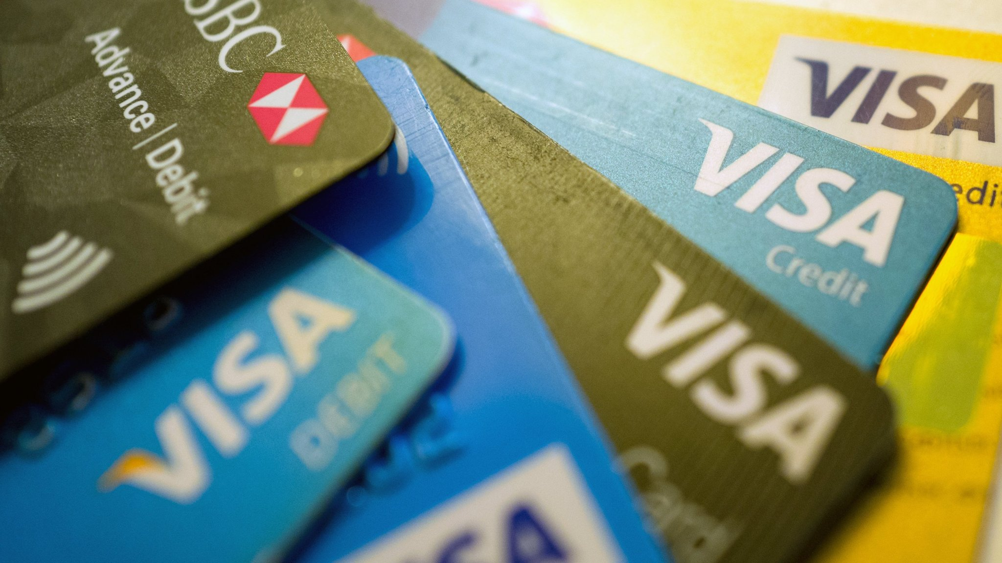 Credit card interest rates hit uk consumers financial times reheart Images
