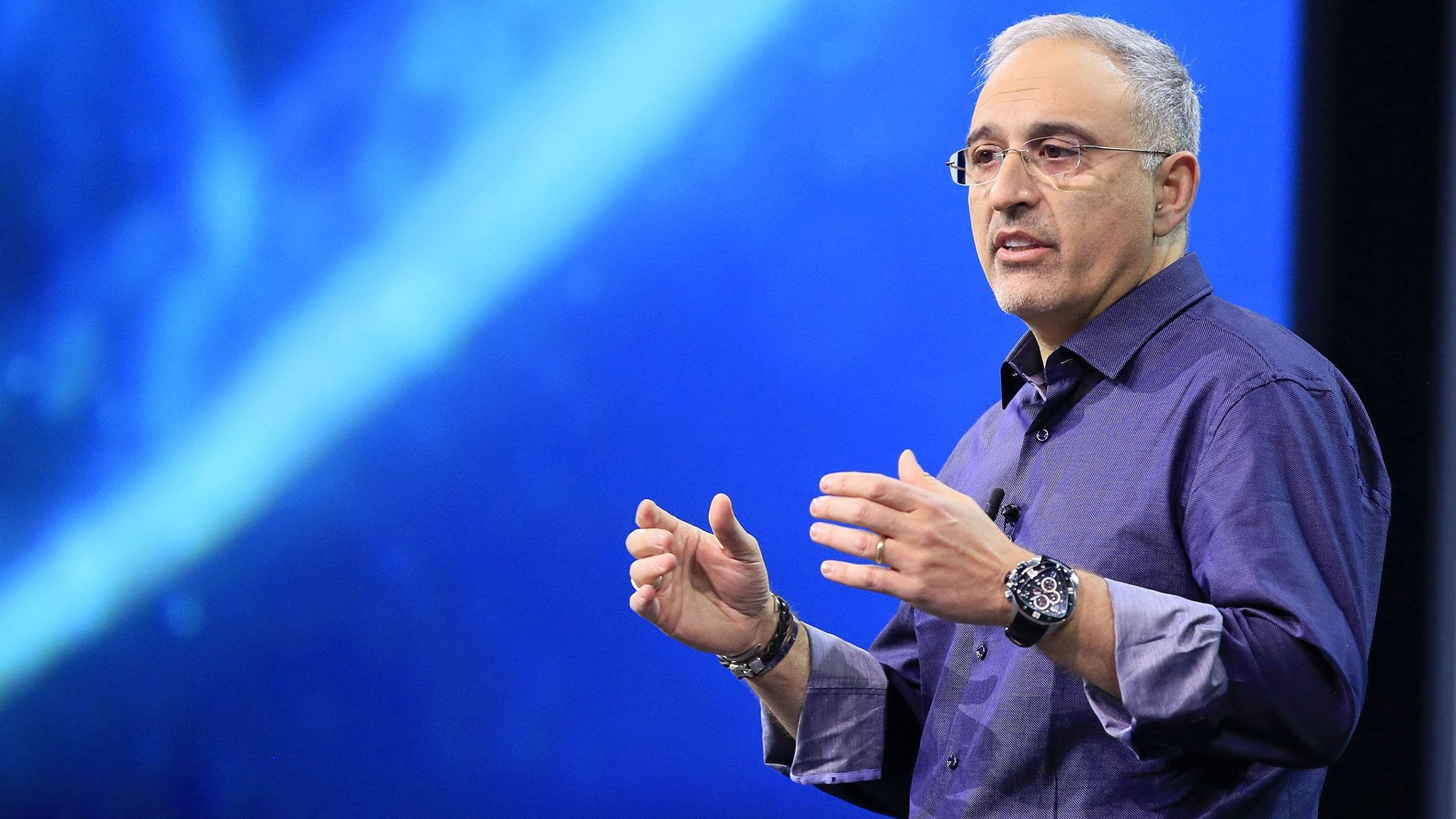 HPE bets that companies will keep more data out of cloud