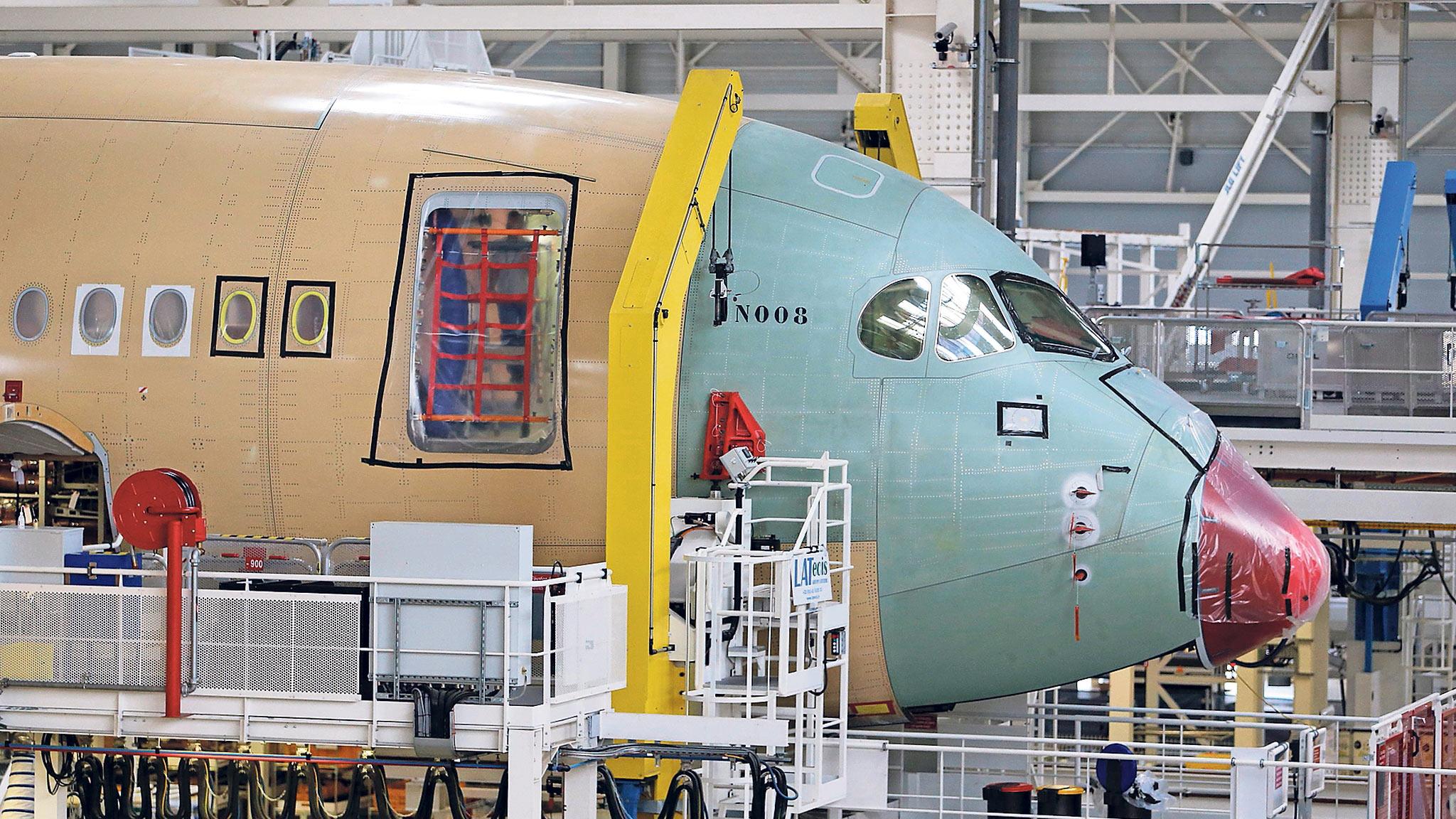 Resultado de imagen para airbus A350 assembly line