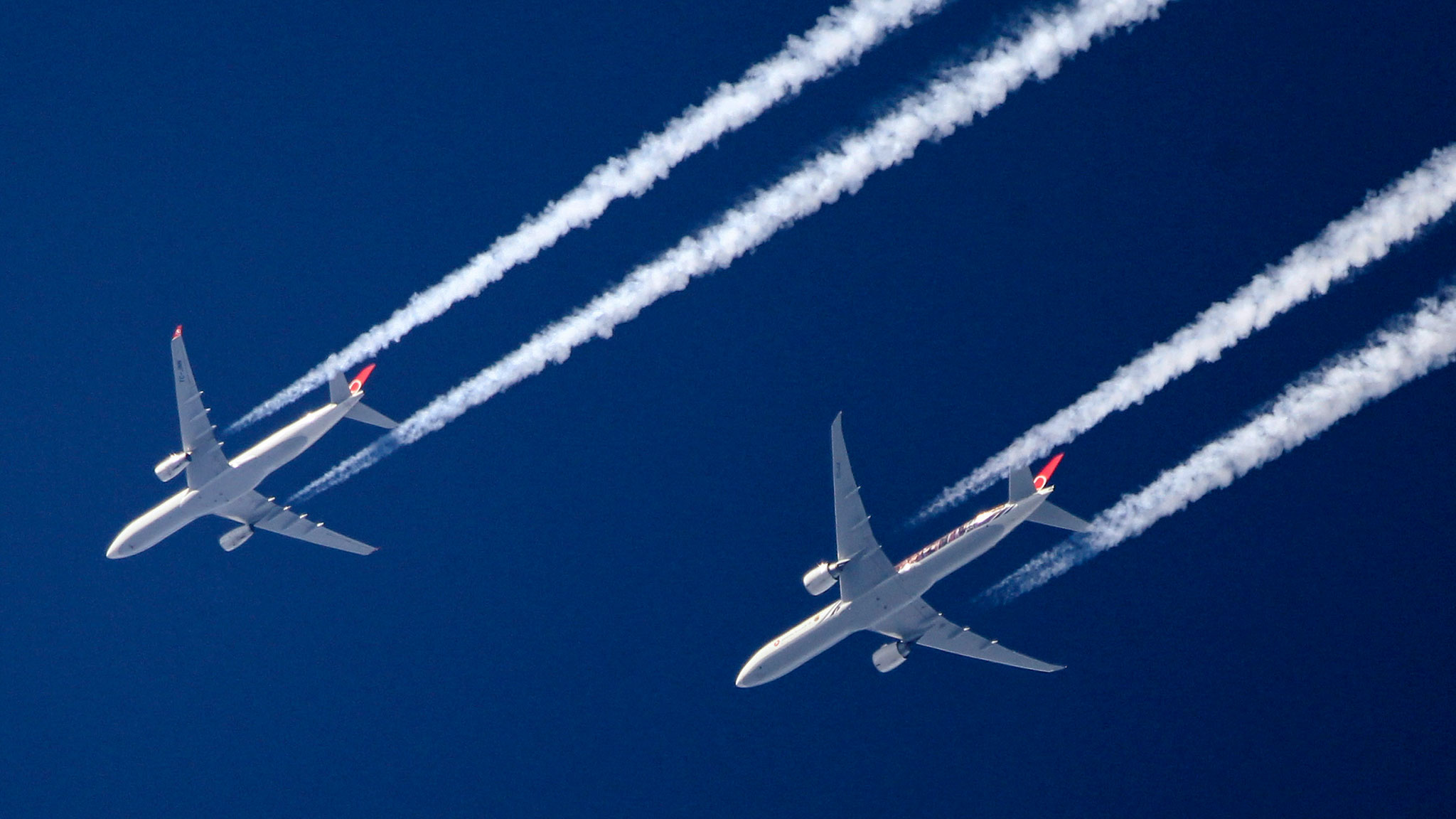 Flight shame: can airlines ever reduce their emissions?