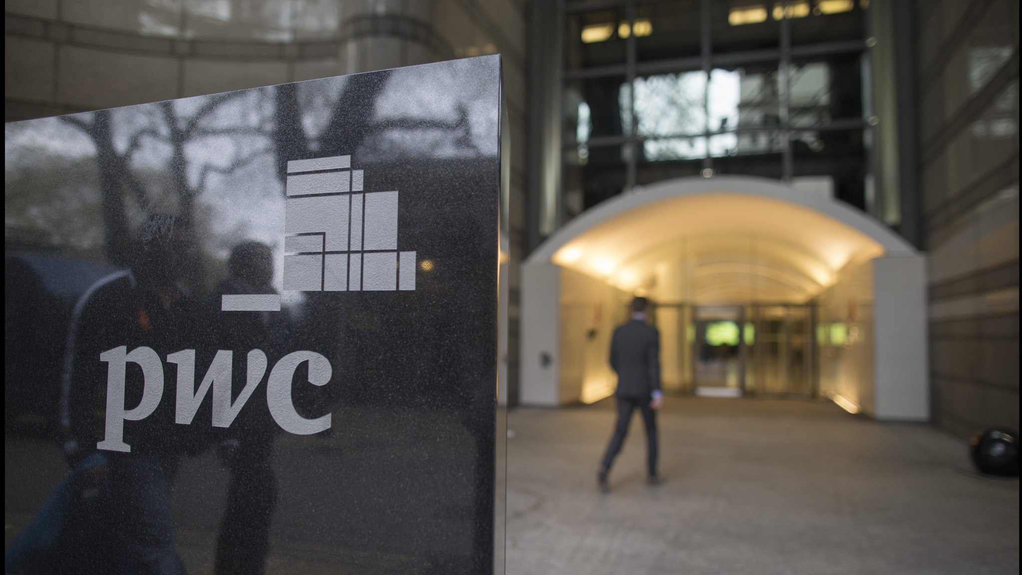 PwC 'fell short' on averting one of the biggest US bank collapses