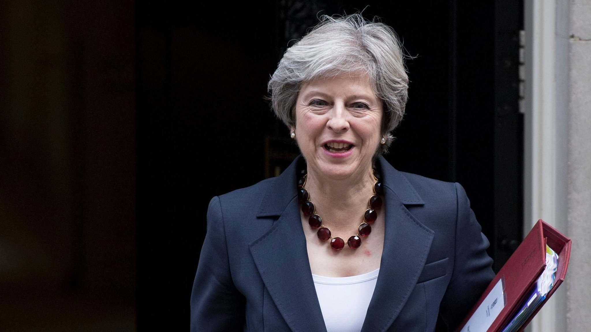 May gets backing for bigger bill to break Brexit deadlock