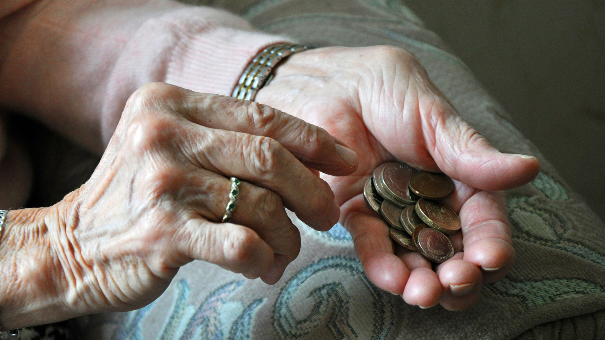 Low-paid employees may be at risk of losing full-state pension