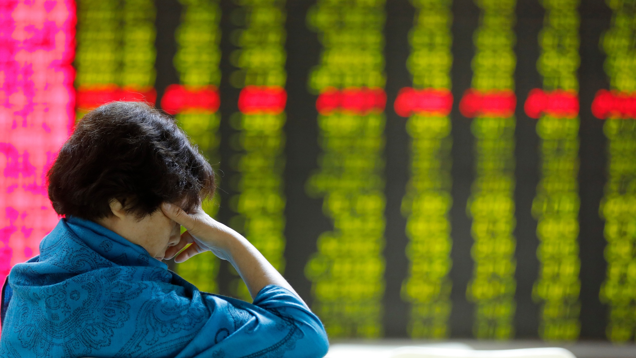 China stocks slip as US imposes visa restrictions on officials