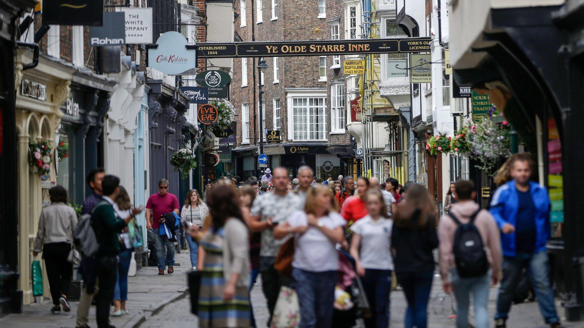 No-deal Brexit would push UK into recession, warns KPMG