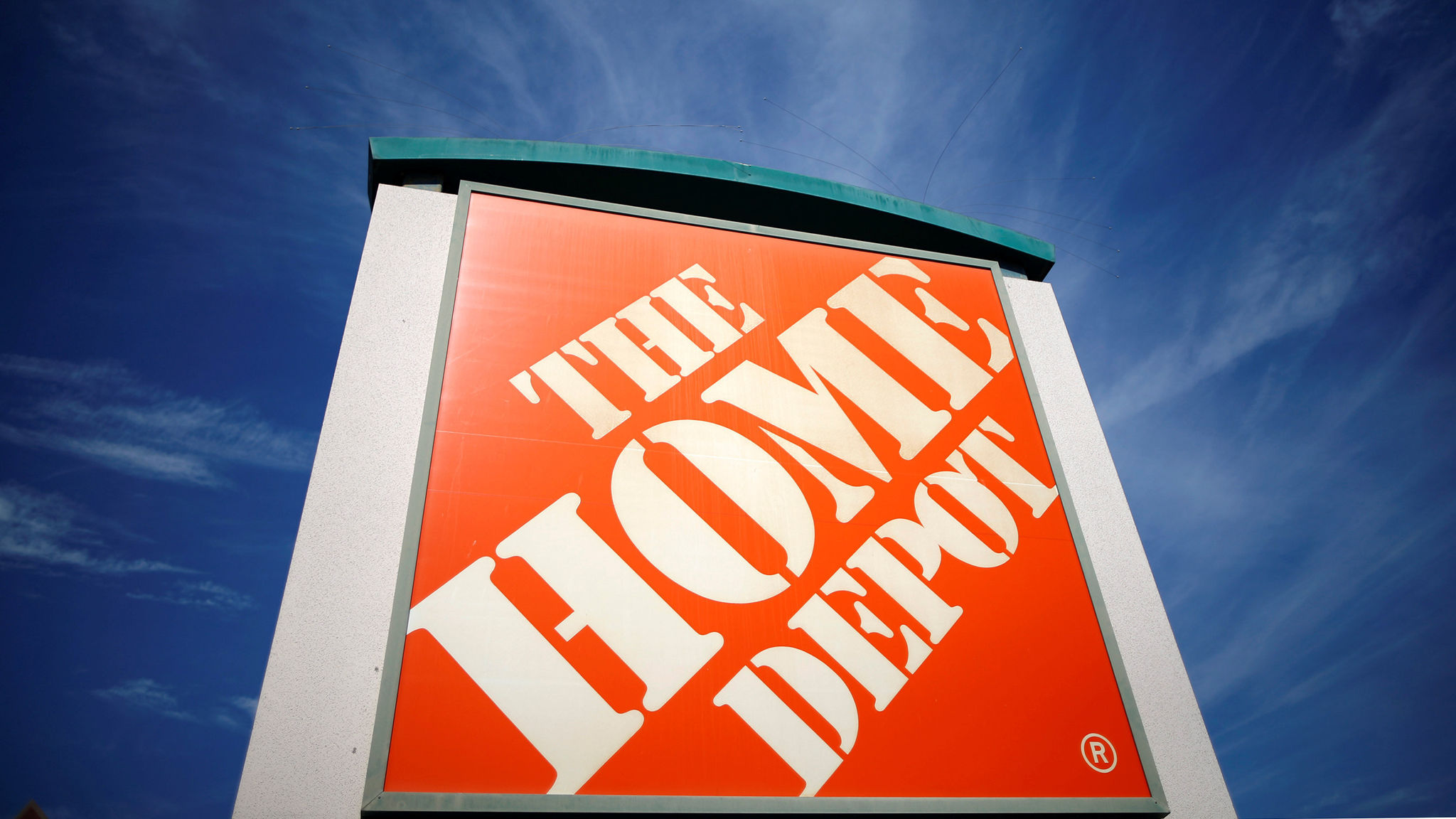 Earnings rise at Home Depot but sales miss estimates