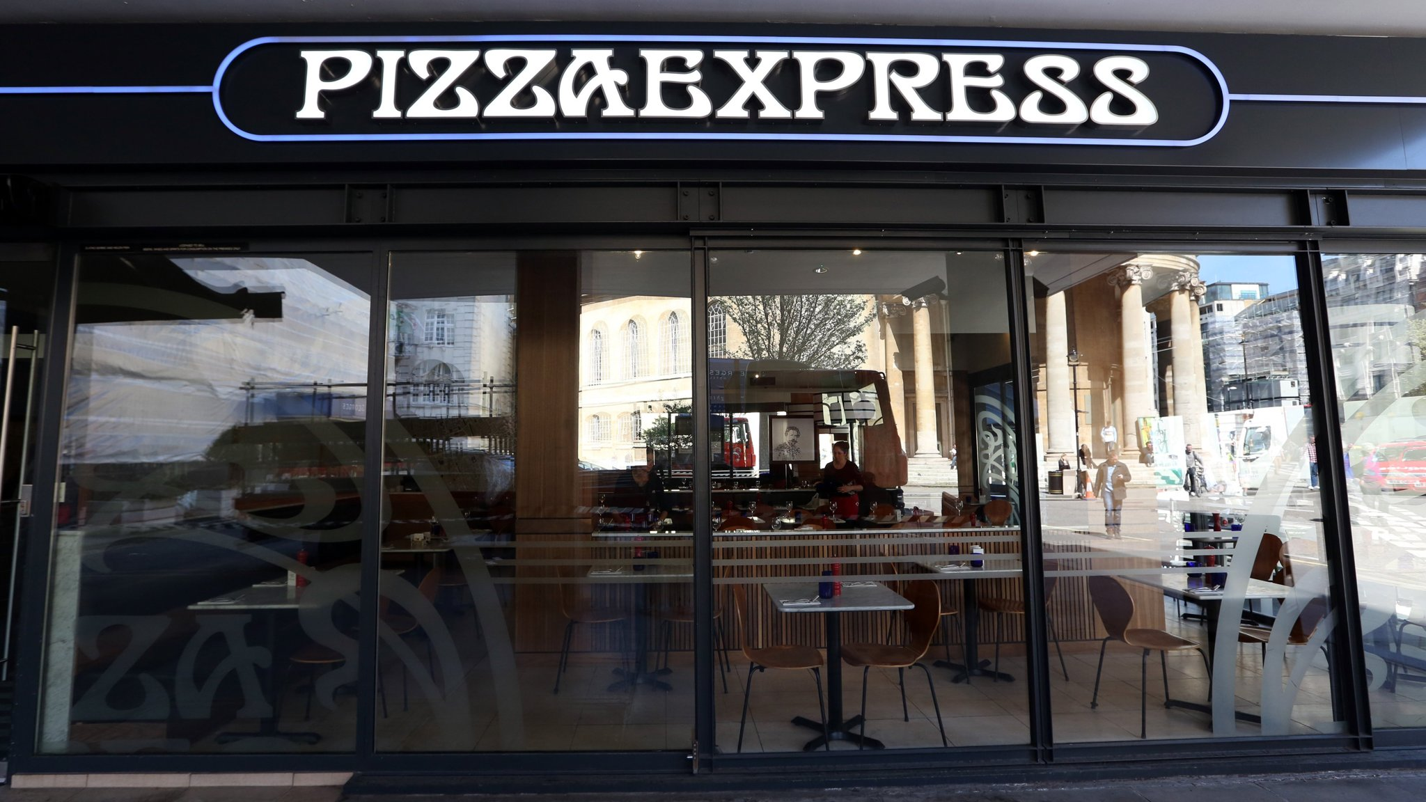 Pizzaexpress Scraps Own Delivery To Team Up With Deliveroo