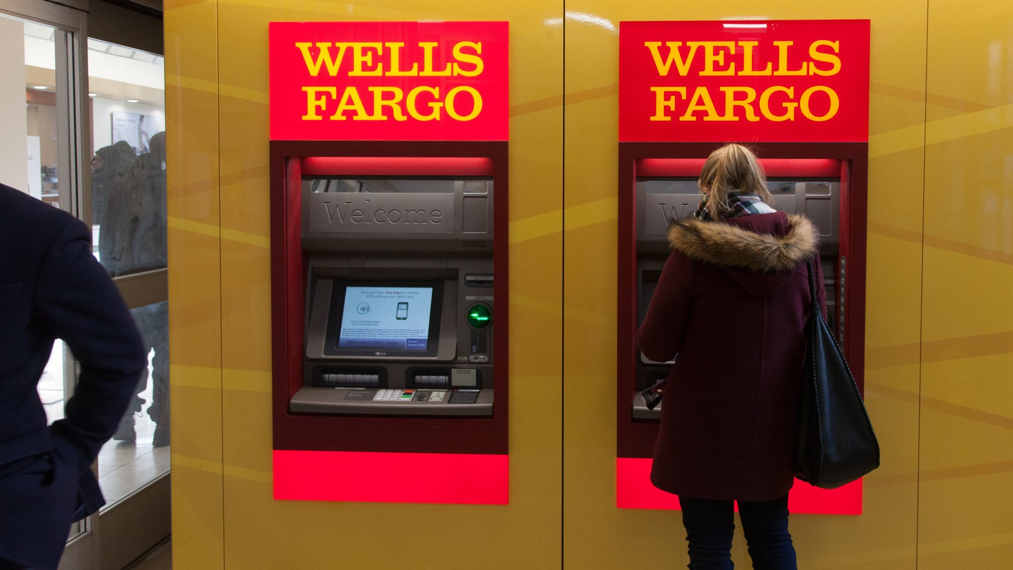 Irish central bank fines Wells Fargo €5 9m for 'serious