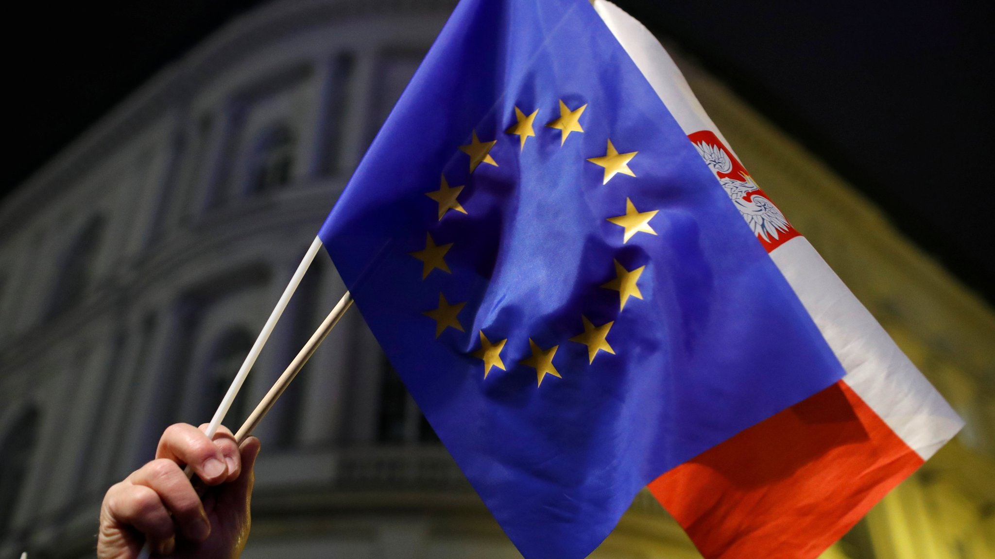 EU rebukes Poland over judiciary reforms
