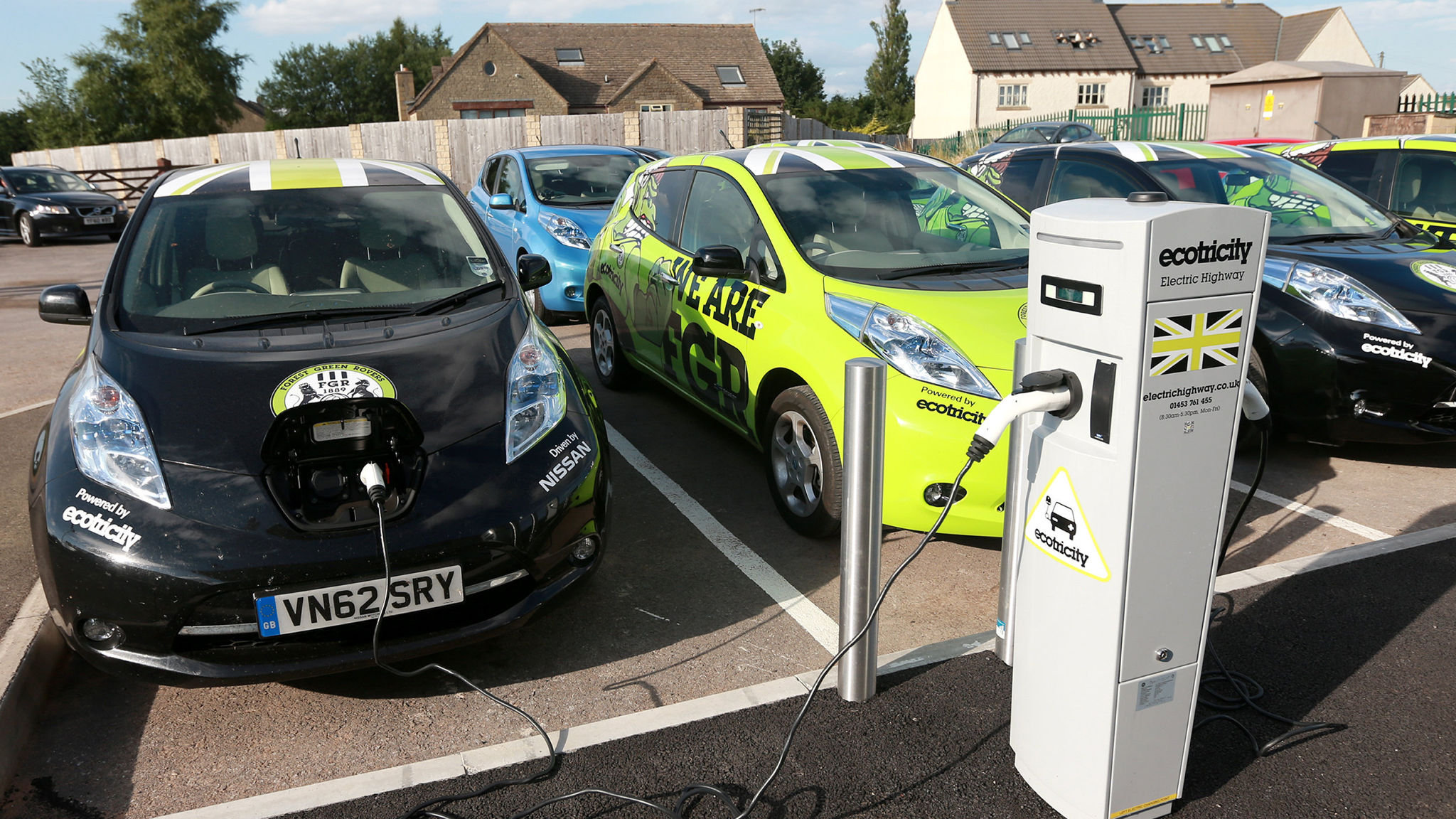 Switch To Electric Cars Hit By Poor Charging Infrastructure Financial Times
