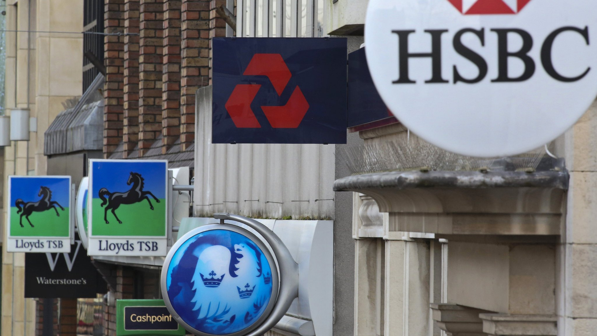 Britain's banks embrace new technology | Financial Times