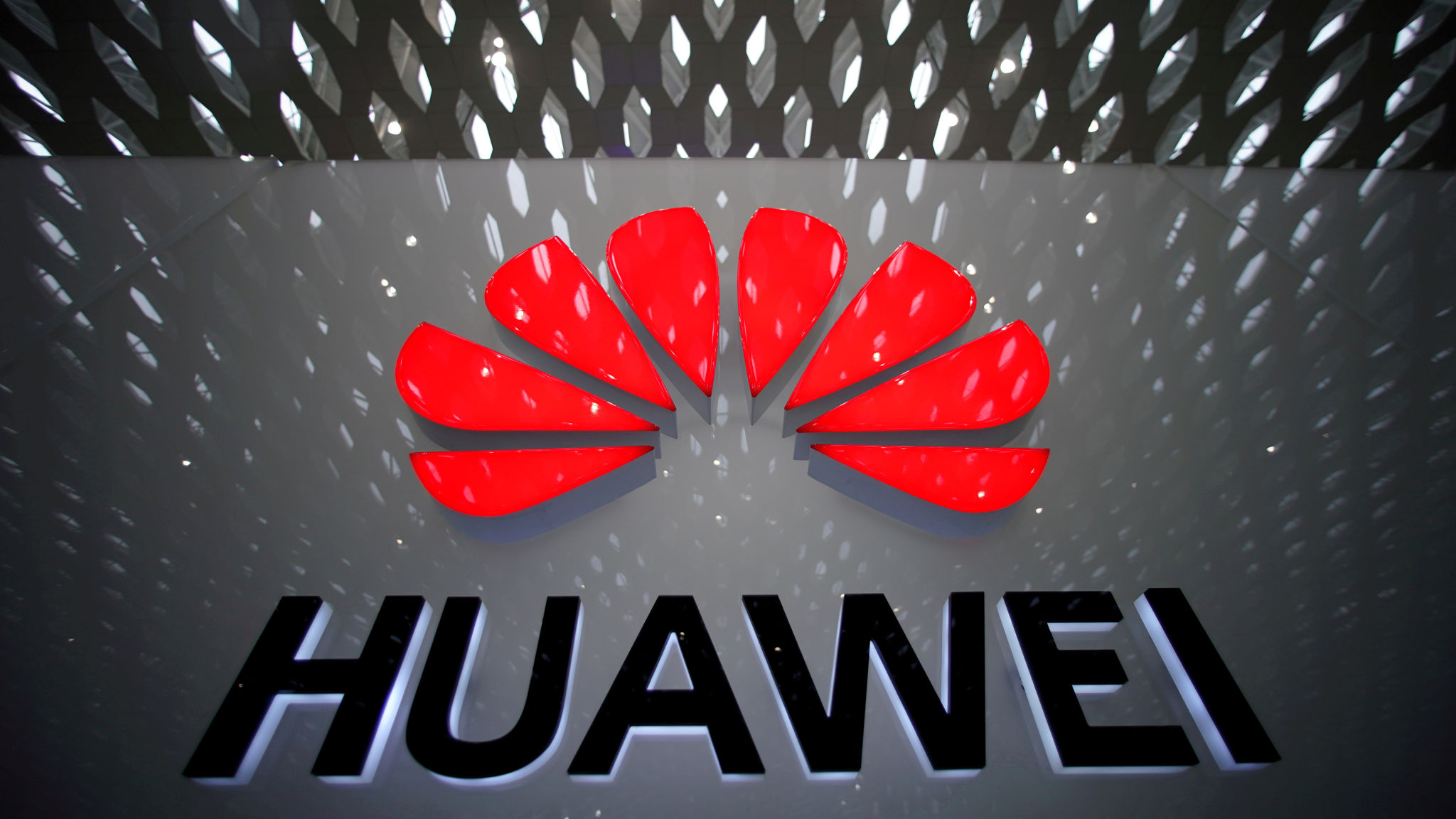 US to grant China's Huawei temporary reprieve