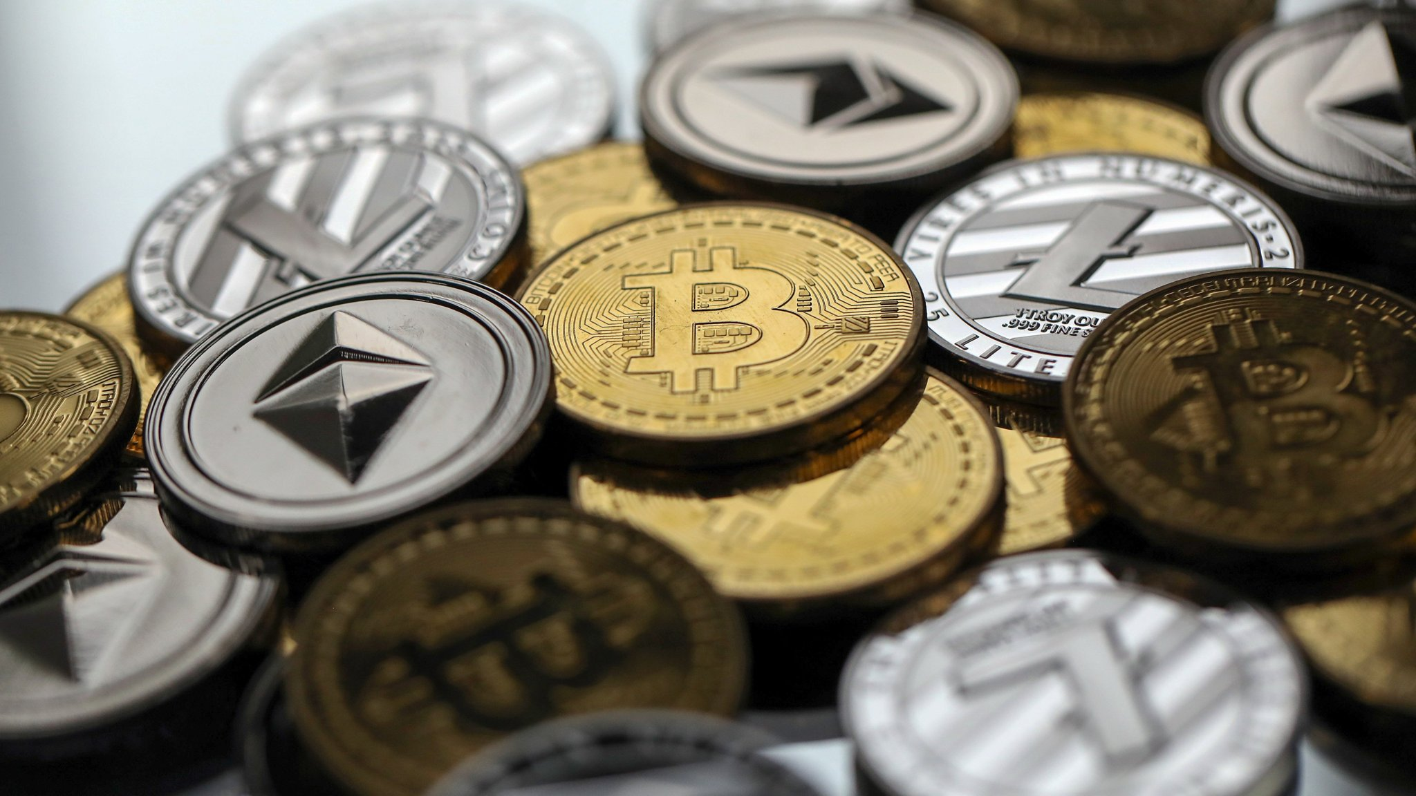 Economists' cryptocurrency aims to avoid pitfalls of bitcoin