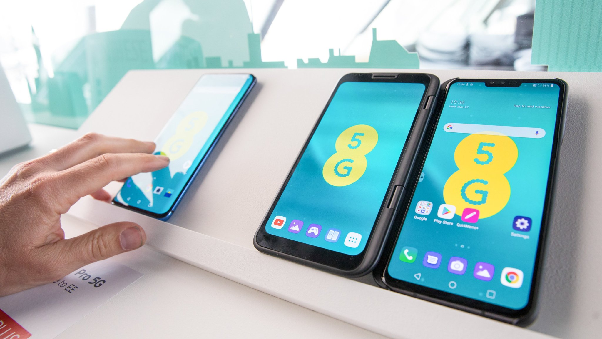 Ee Launches Uk S First 5g Service Financial Times