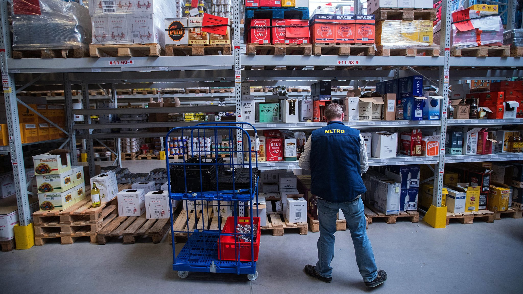 Germany looks to foreign workers to tackle labour shortage | Financial Times