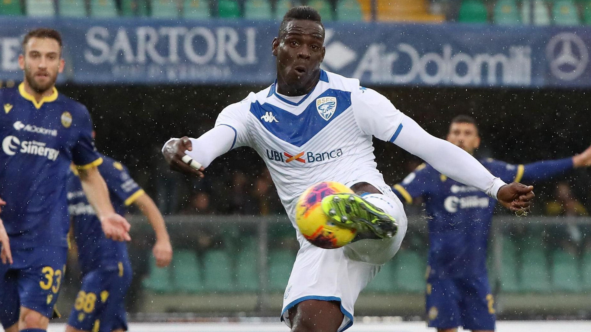 Abuse Of Footballer Mario Balotelli Exposes Italy S Race Problem Financial Times