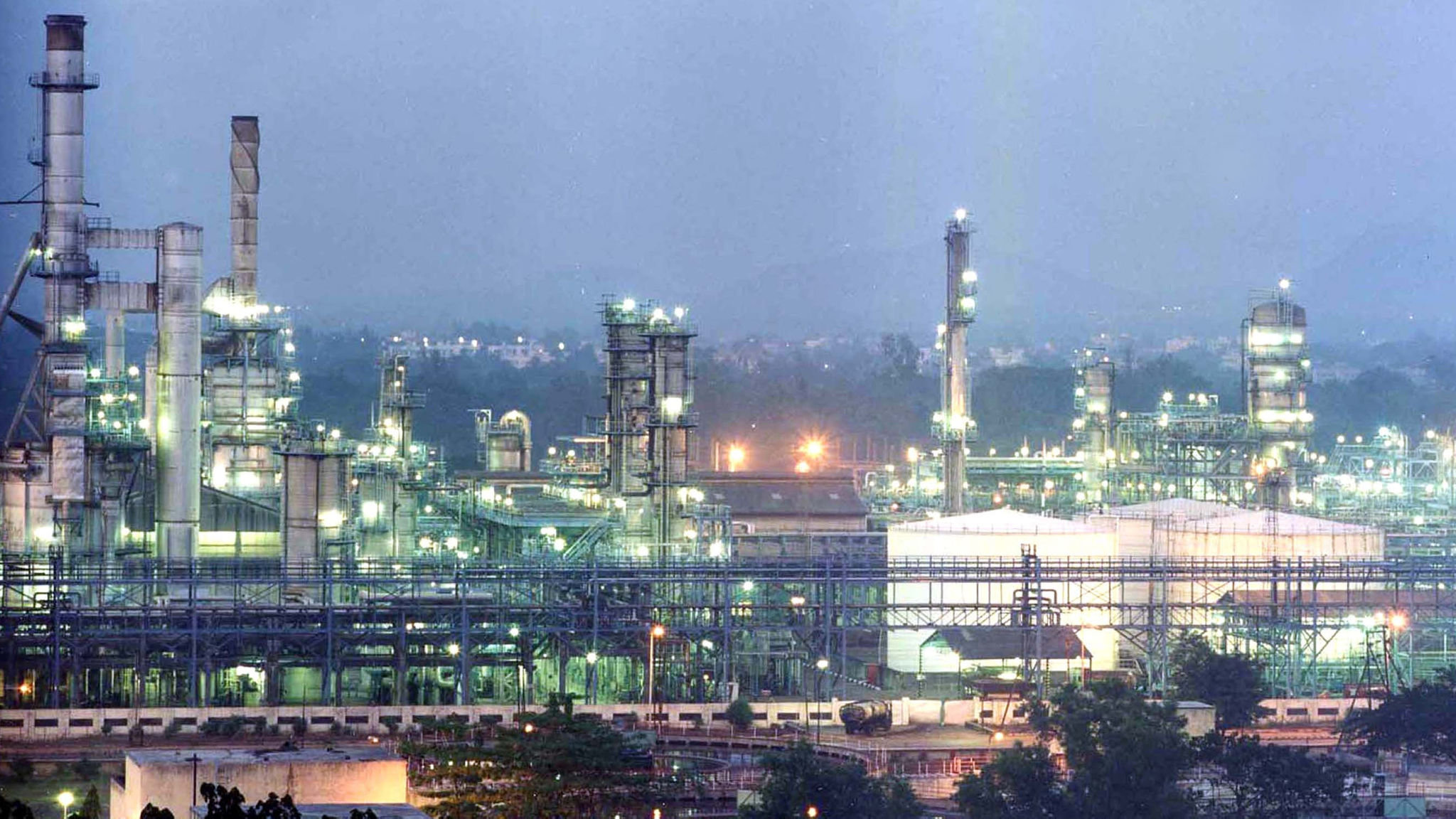 Saudi Aramco to acquire 20% of Reliance's oil refining unit