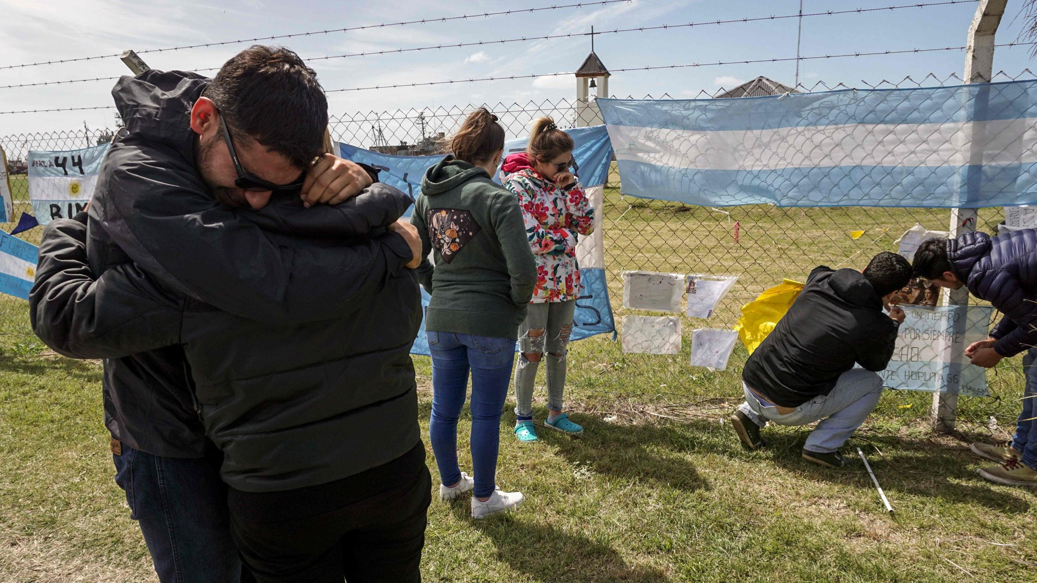 image when Hopes fade for crew of missing Argentine submarine